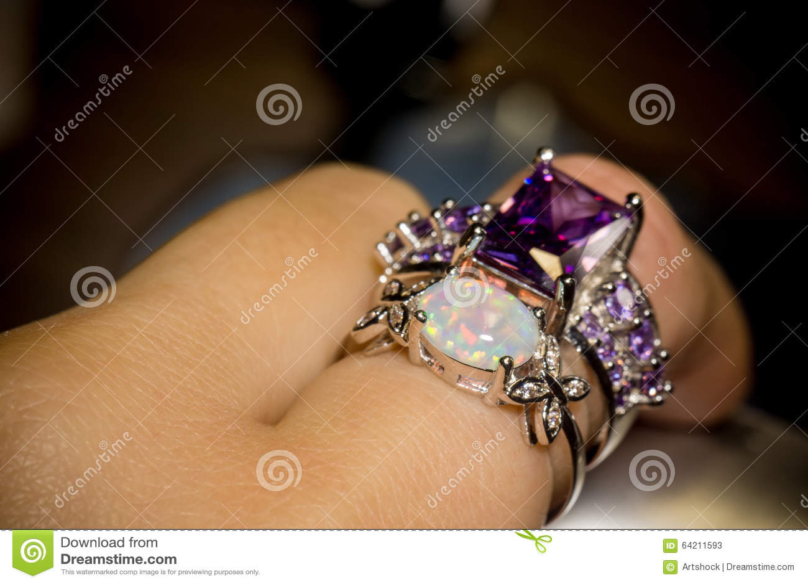 Opal Ring blanco
