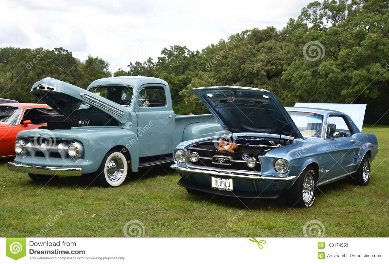 Open-air Exhibition Of Vintage Cars Editorial Stock Photo - Image of ...