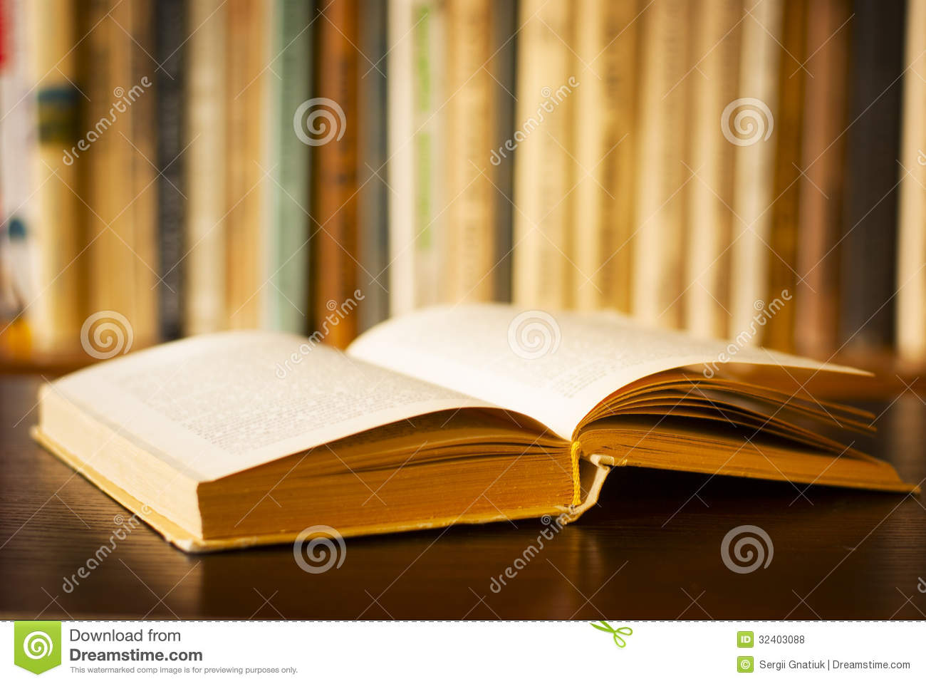 Open Book Royalty Free Stock Photos - Image: 32403088