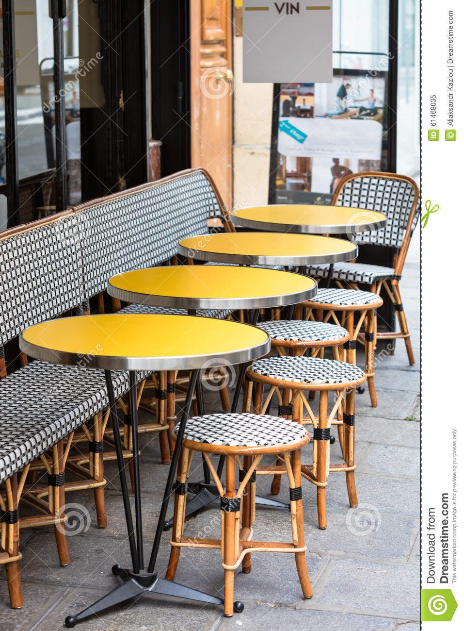 Open cafe terrace round tables and wicker chairs paris for Terrace cafe opentable