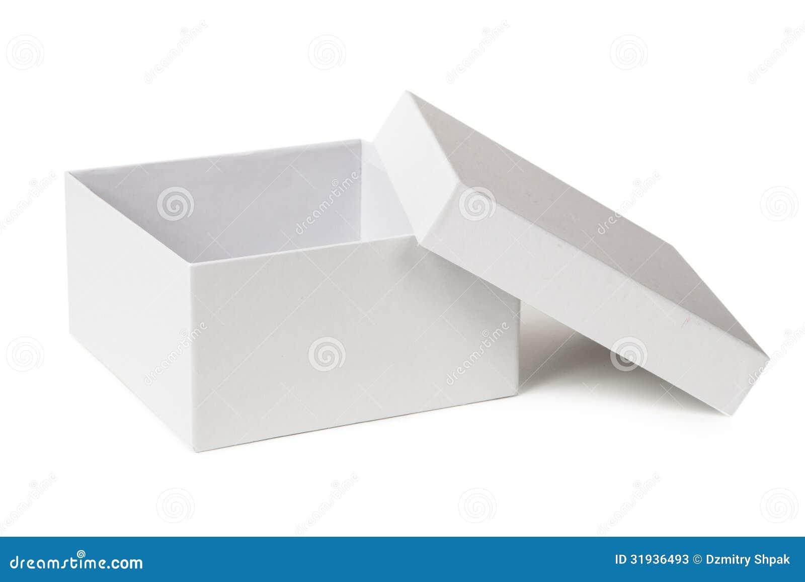 Open die doos op een wit wordt geïsoleerd
