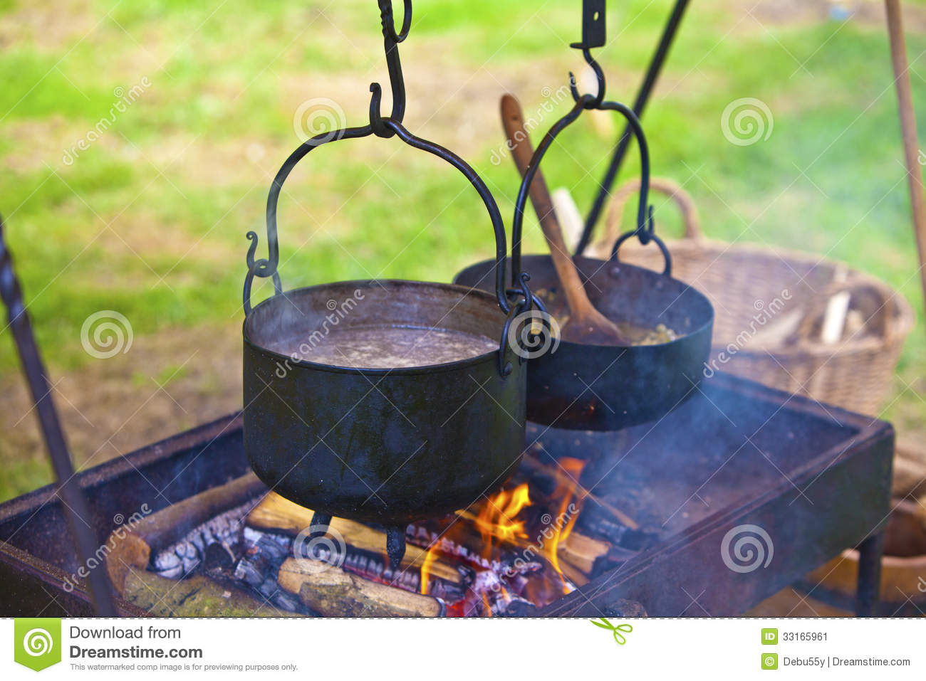 Open fire cooking stock image image 33165961 for Meal outdoors
