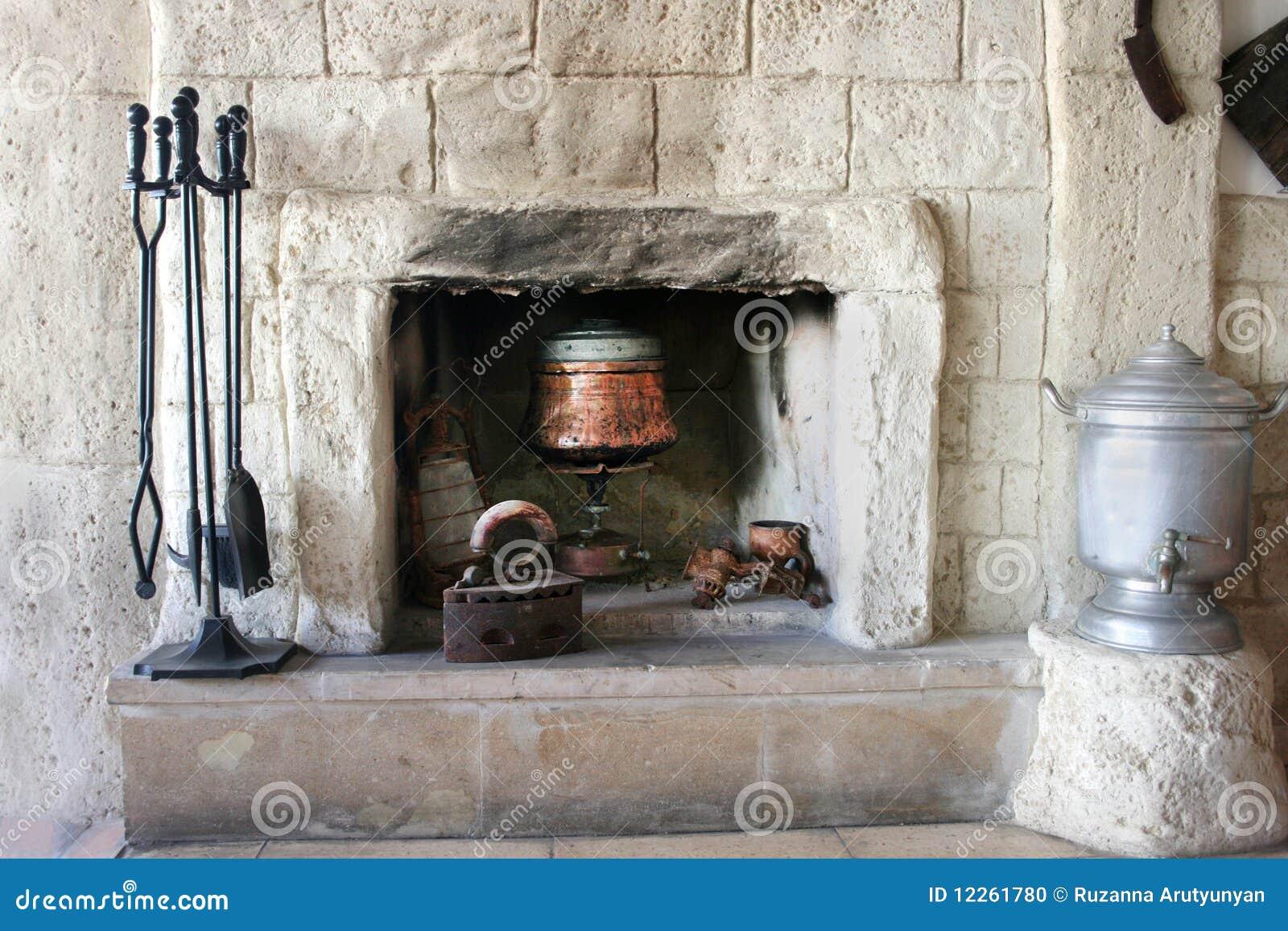 Open haard in oud huis stock foto afbeelding 12261780 - Oud huis ...