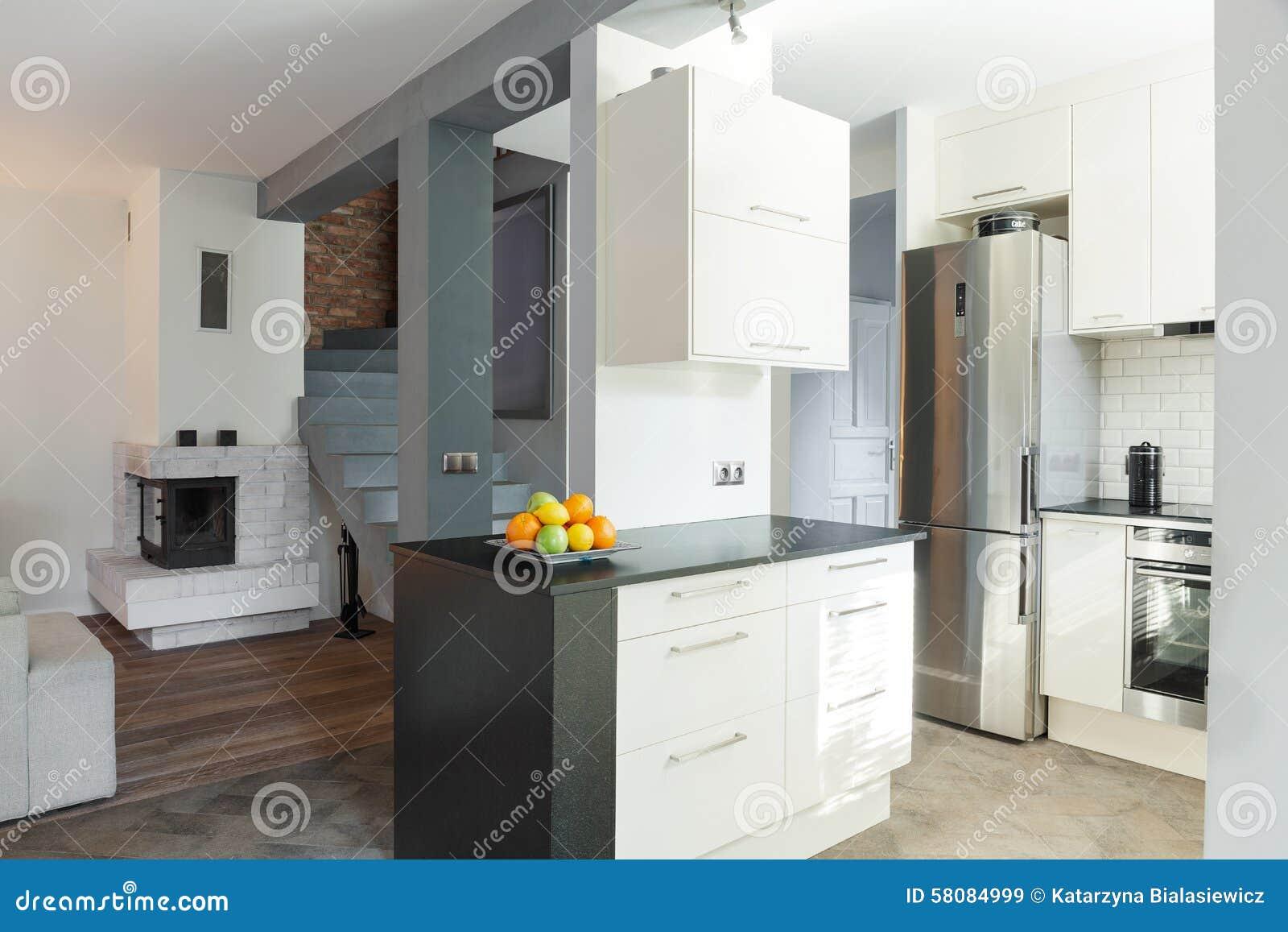 Open keuken en woonkamer stock afbeelding afbeelding bestaande uit helder 58084999 - Open keuken m ...