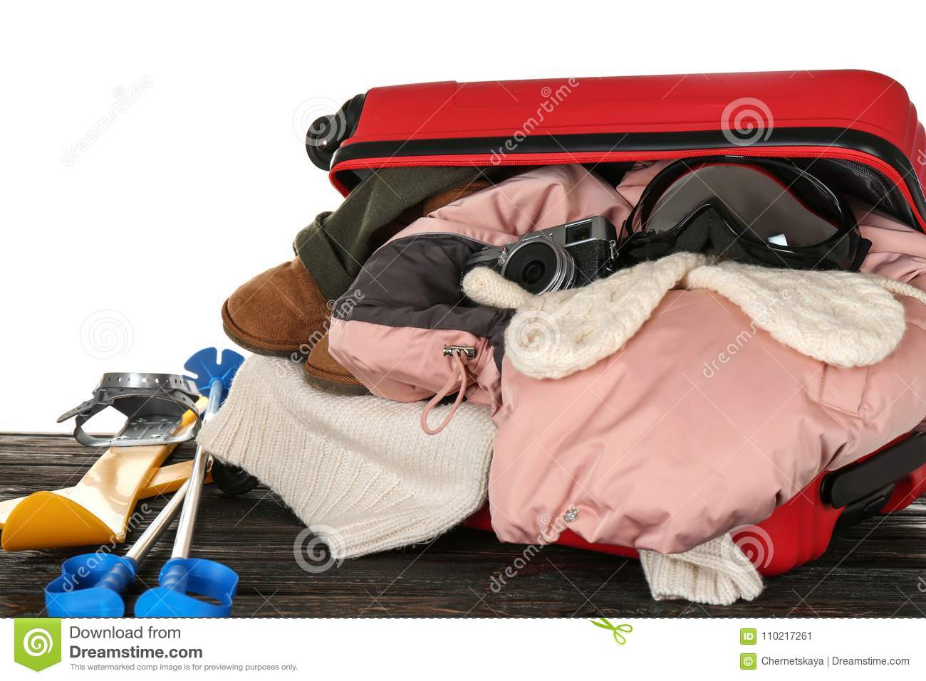 cbd6fbe5e99 Open Suitcase With Warm Clothes And Ski Outfit Stock Image - Image ...