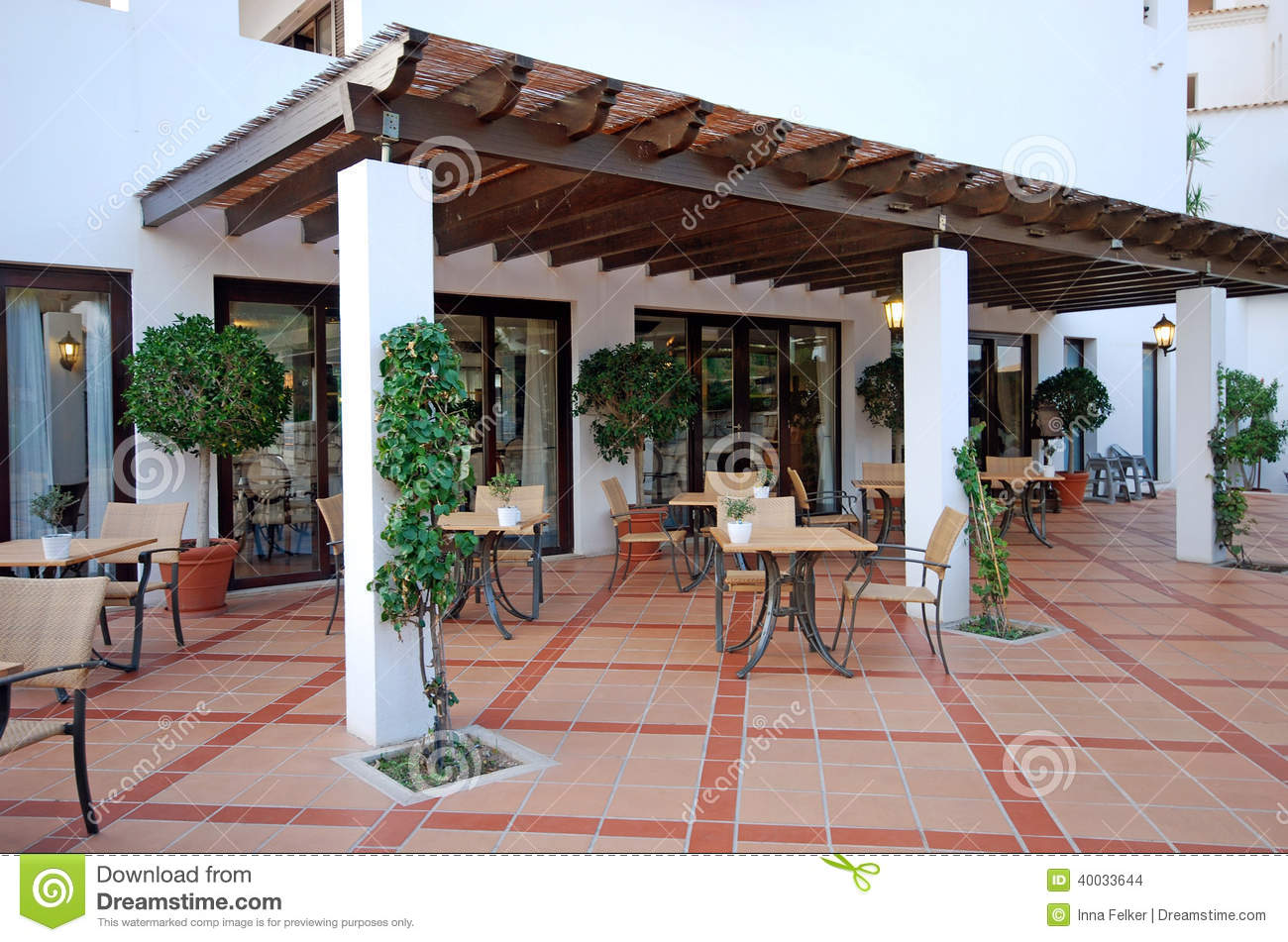 Summer outdoor terrace cafe algarve portugal royalty for Terraces opening times