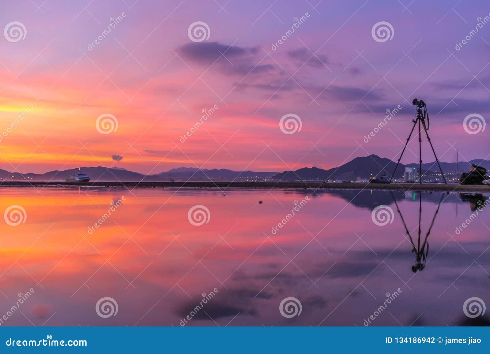 Openbare Ladingsveerboot, Kennedy Town, Hong Kong: één van de weinig beste plaatsen voor het nemen van zonsondergangfoto s met be