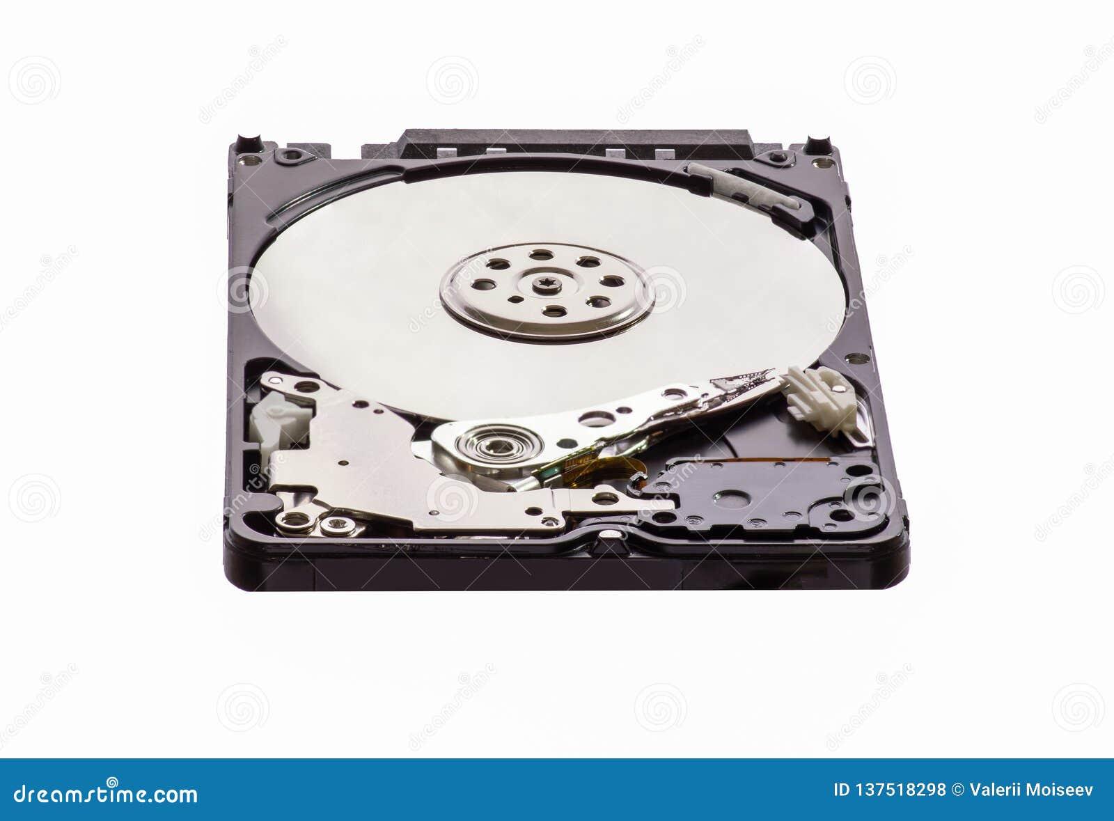 Opened a démonté l unité de disque dur à partir de l ordinateur, hdd avec l effet de miroir D isolement sur le fond blanc