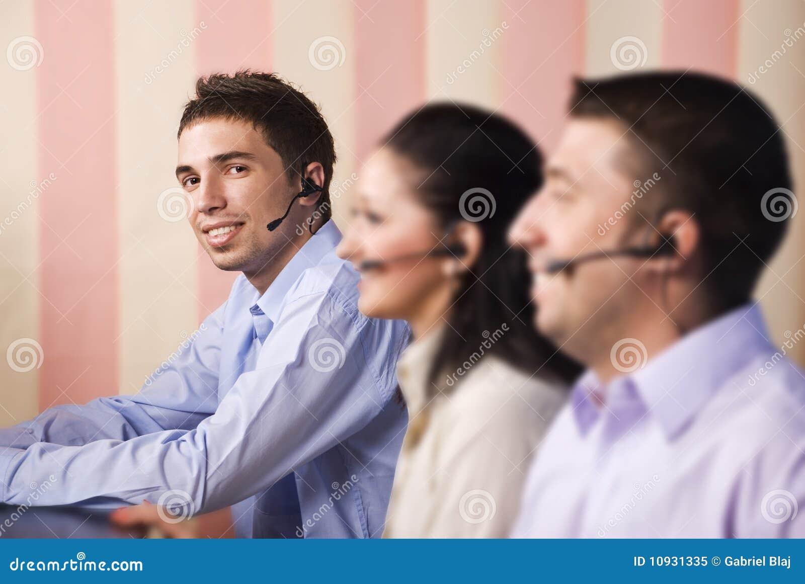 Operadores do centro de chamadas