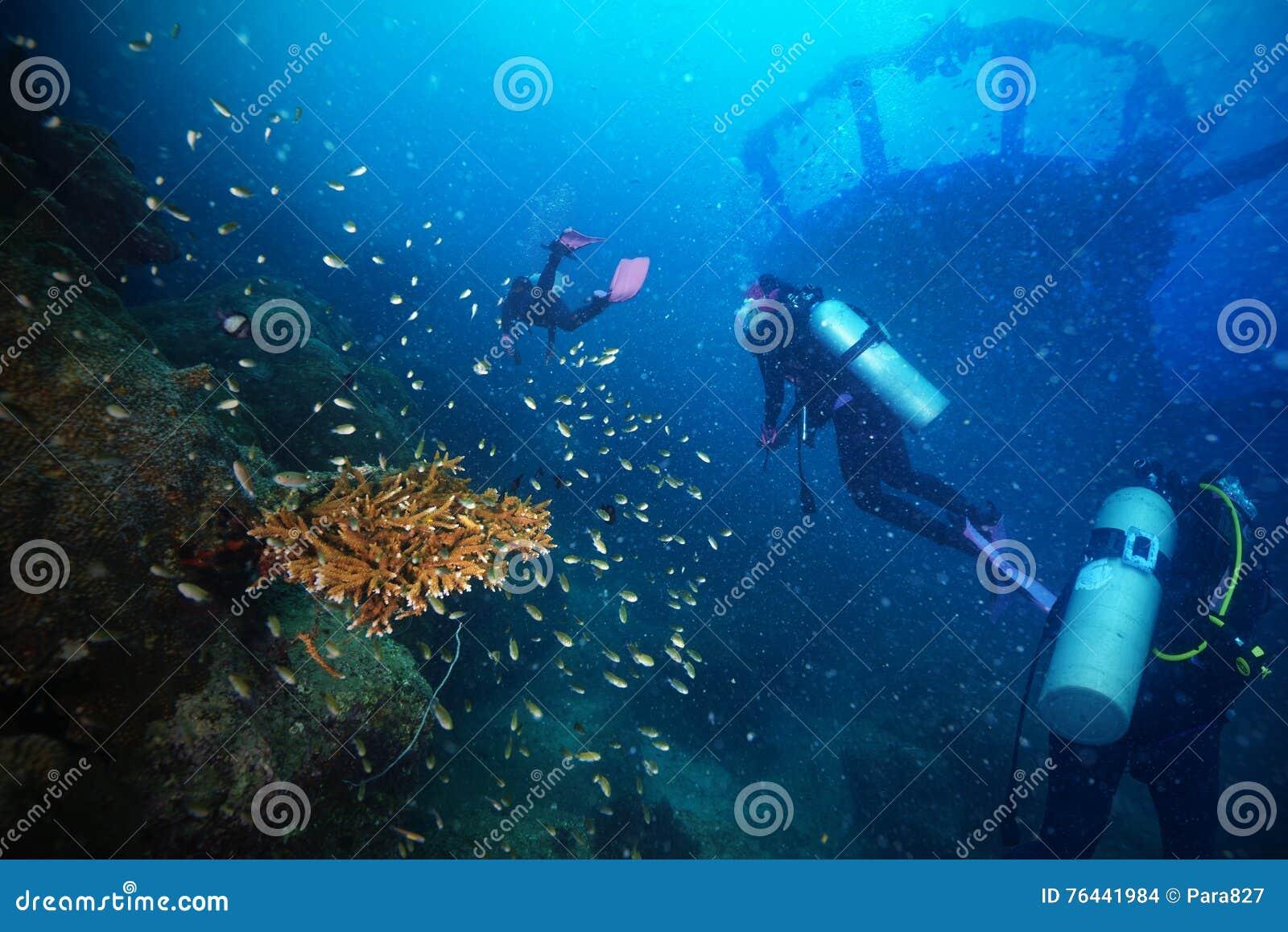 Operatori subacquei e naufragio marino