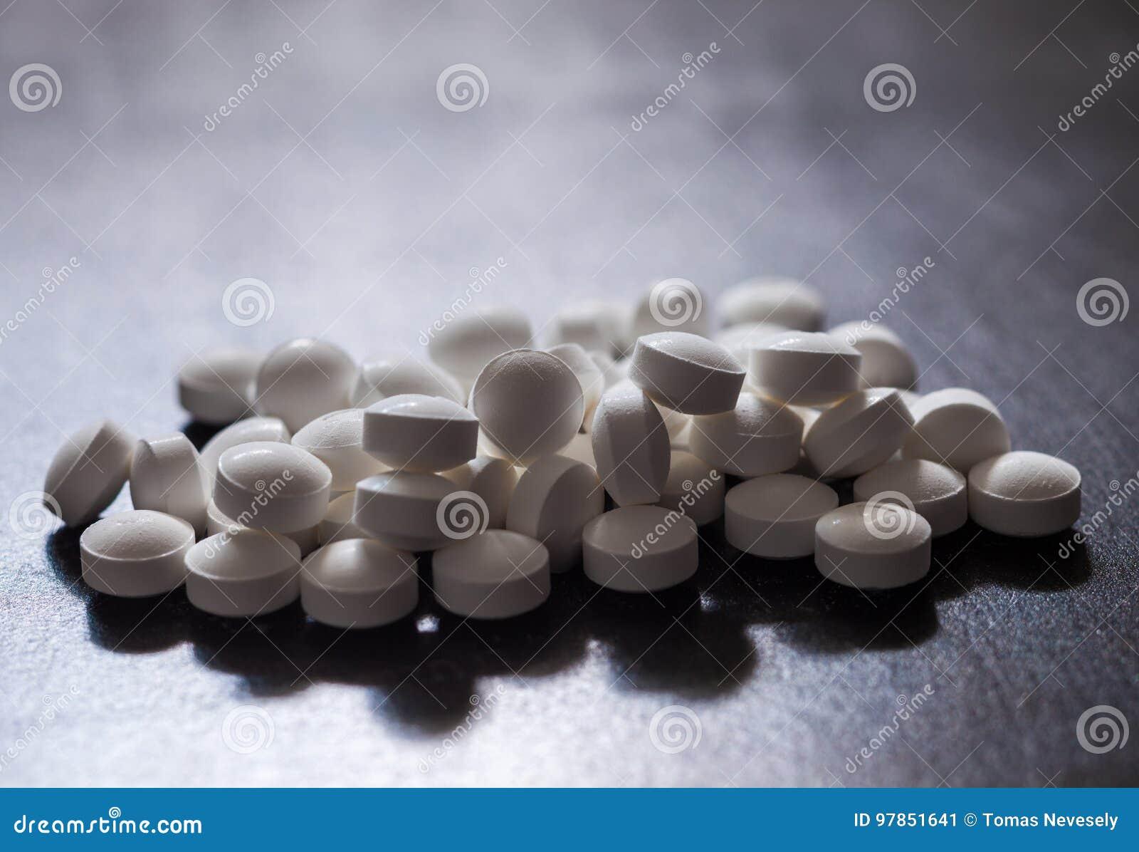 Opiáceo e epidemia ou crise do apego da medicamentação da prescrição