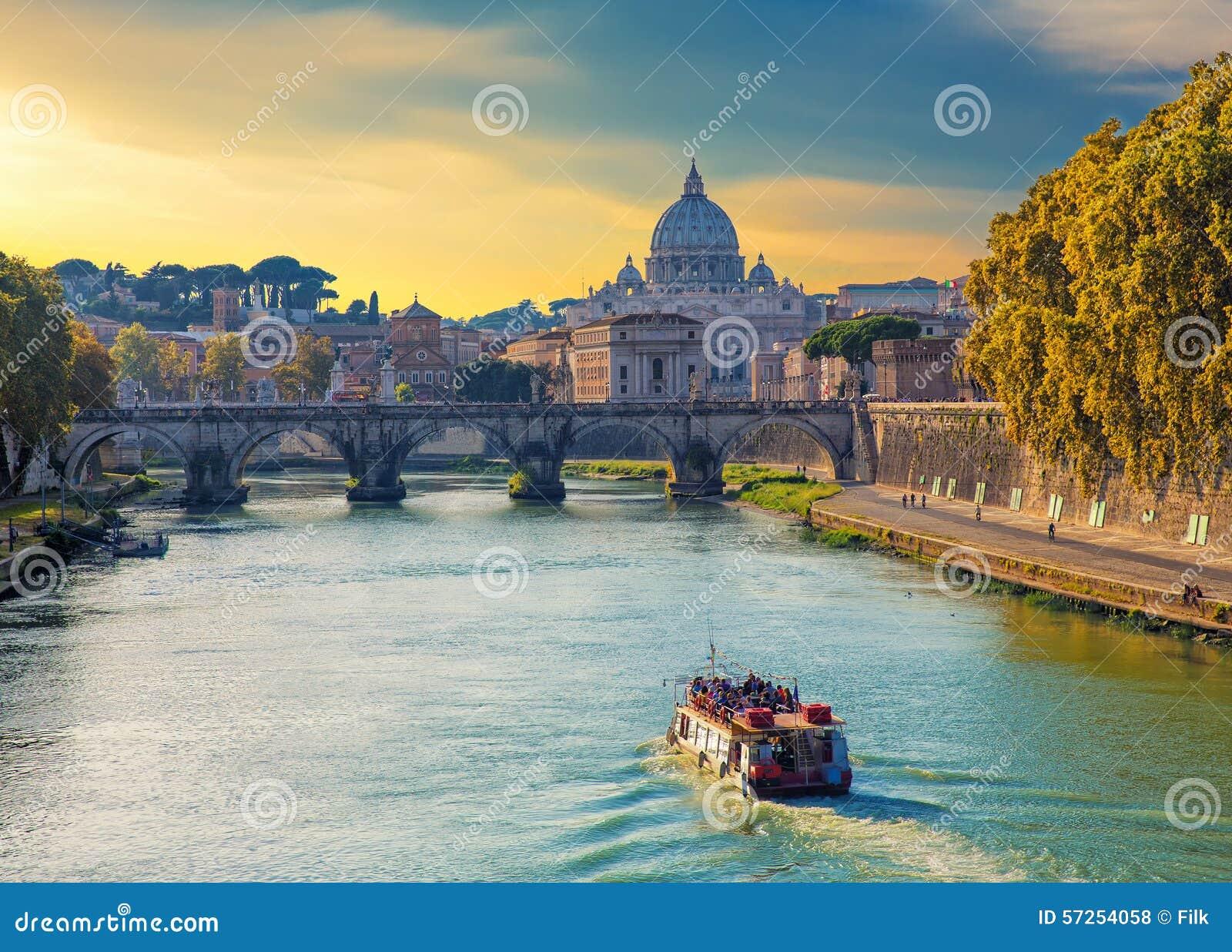 Opinião da basílica de St Peters, Roma, Itália