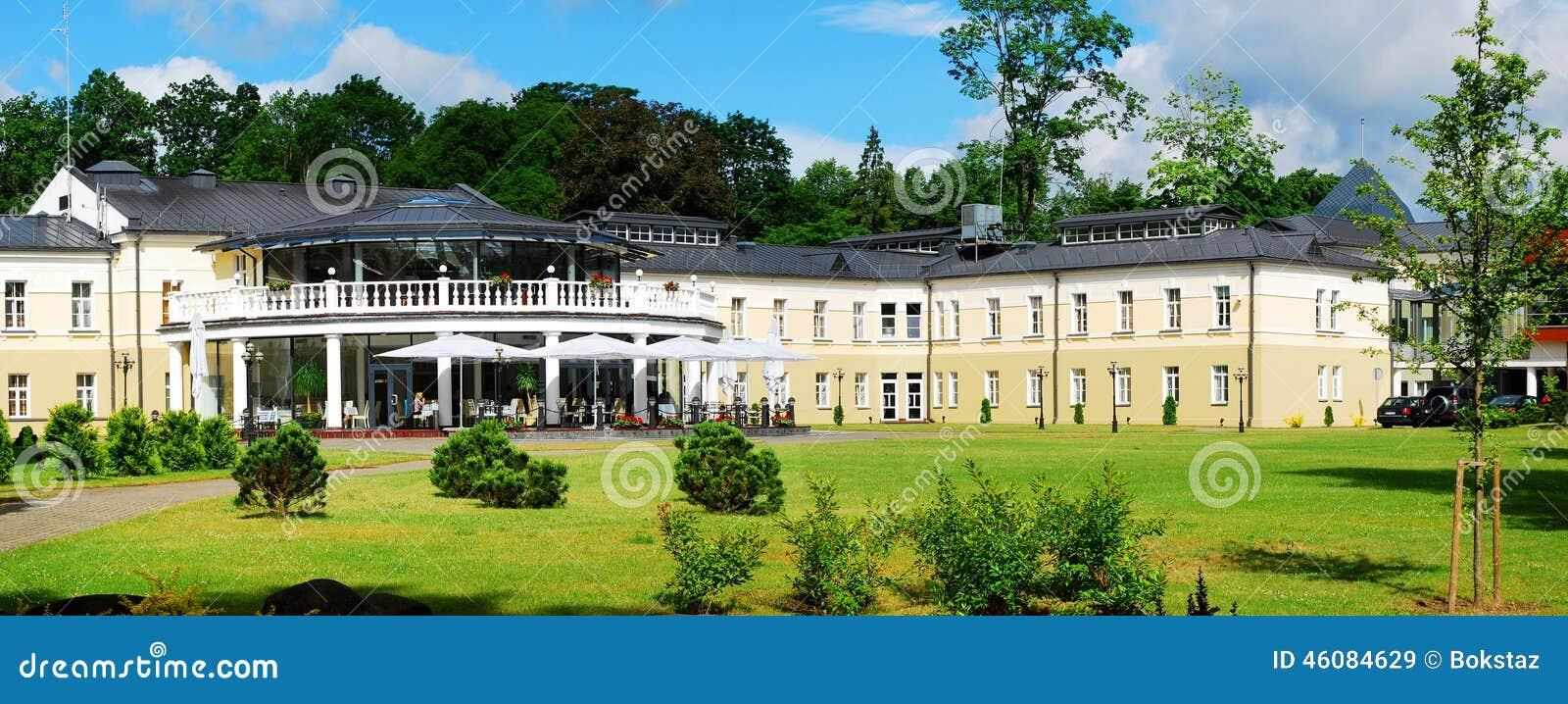 Opinião da cidade de Druskininkai: natureza e casa