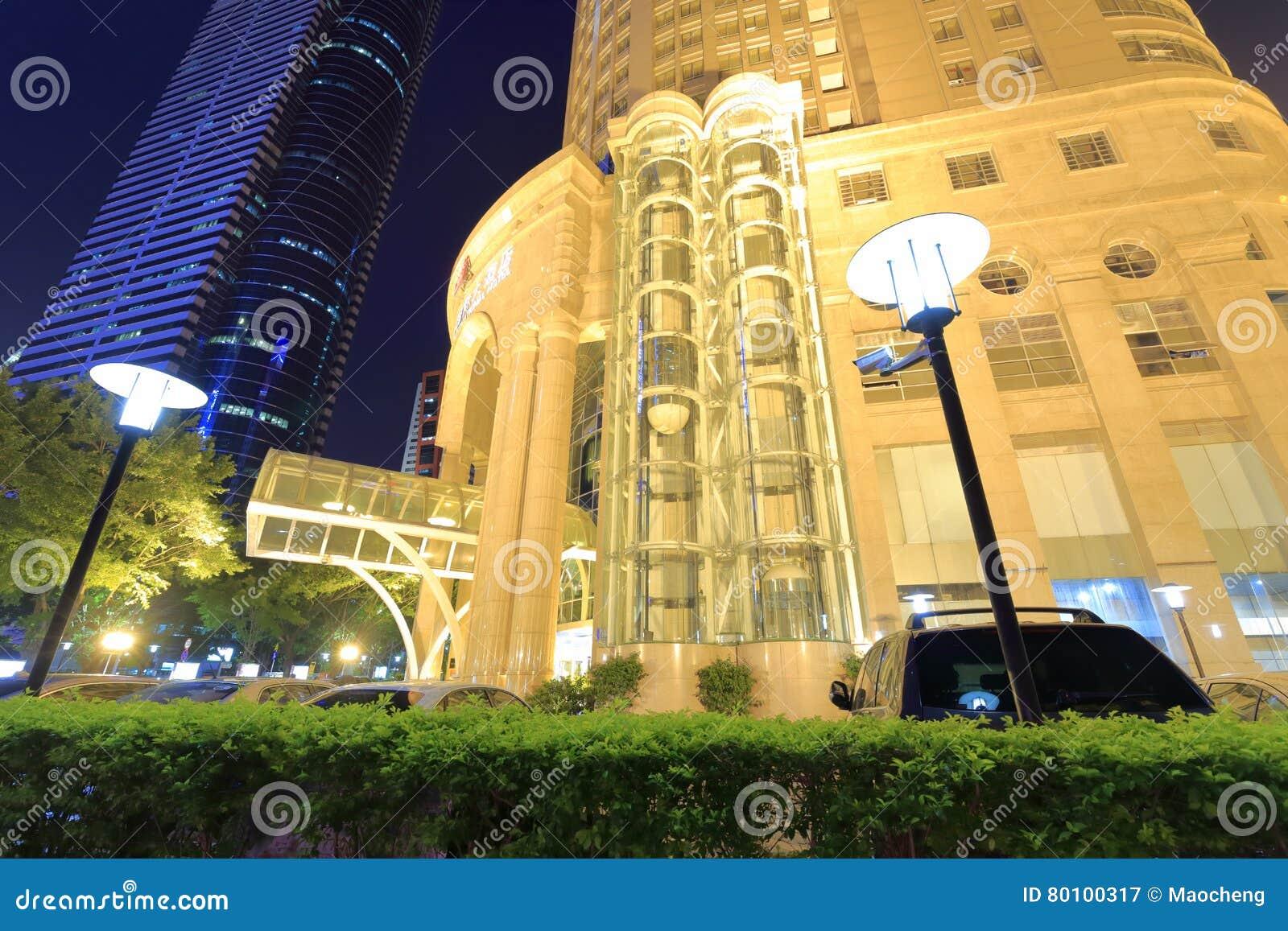 Opinião da noite do hotel internacional das coníferas de Huaan