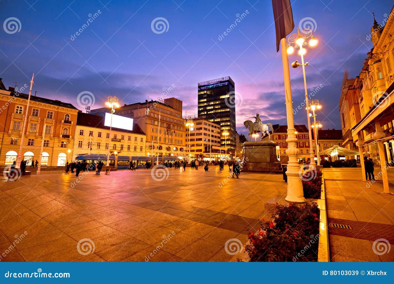 Opinião da noite do quadrado principal de Zagreb