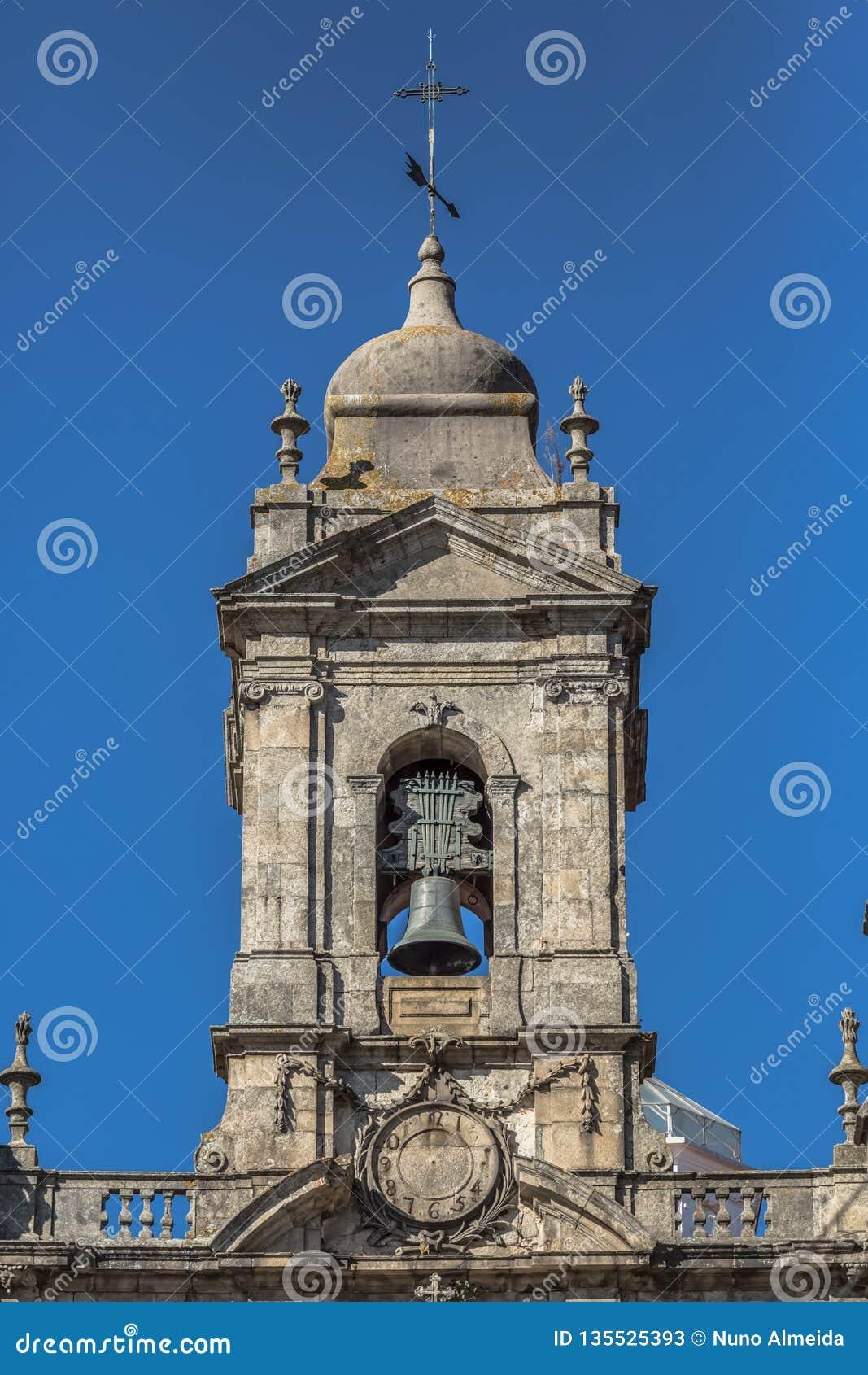Opinião decorativa do elemento da torre na igreja da terceira ordem de San Francisco em Porto