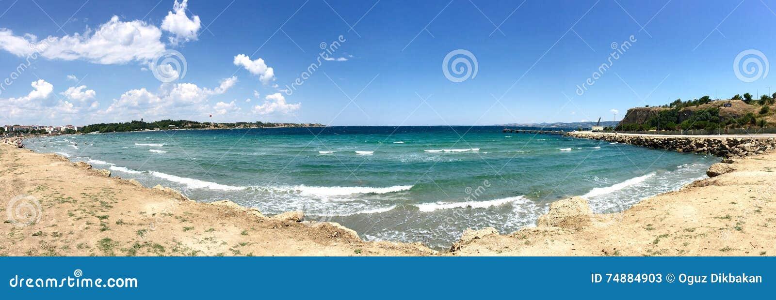 Opinião do mar do porto Gallipoli de Hamza (hamza Koyu) (Gelibolu) A cidade macedônia de Callipolis w