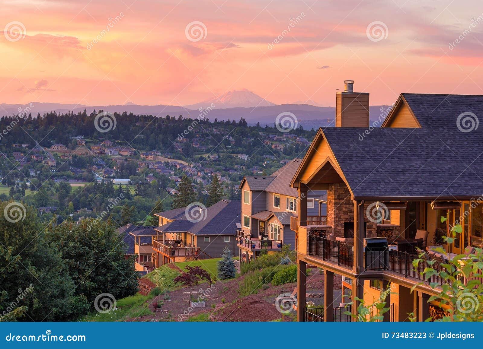Opinião do por do sol da plataforma de casas luxuosas