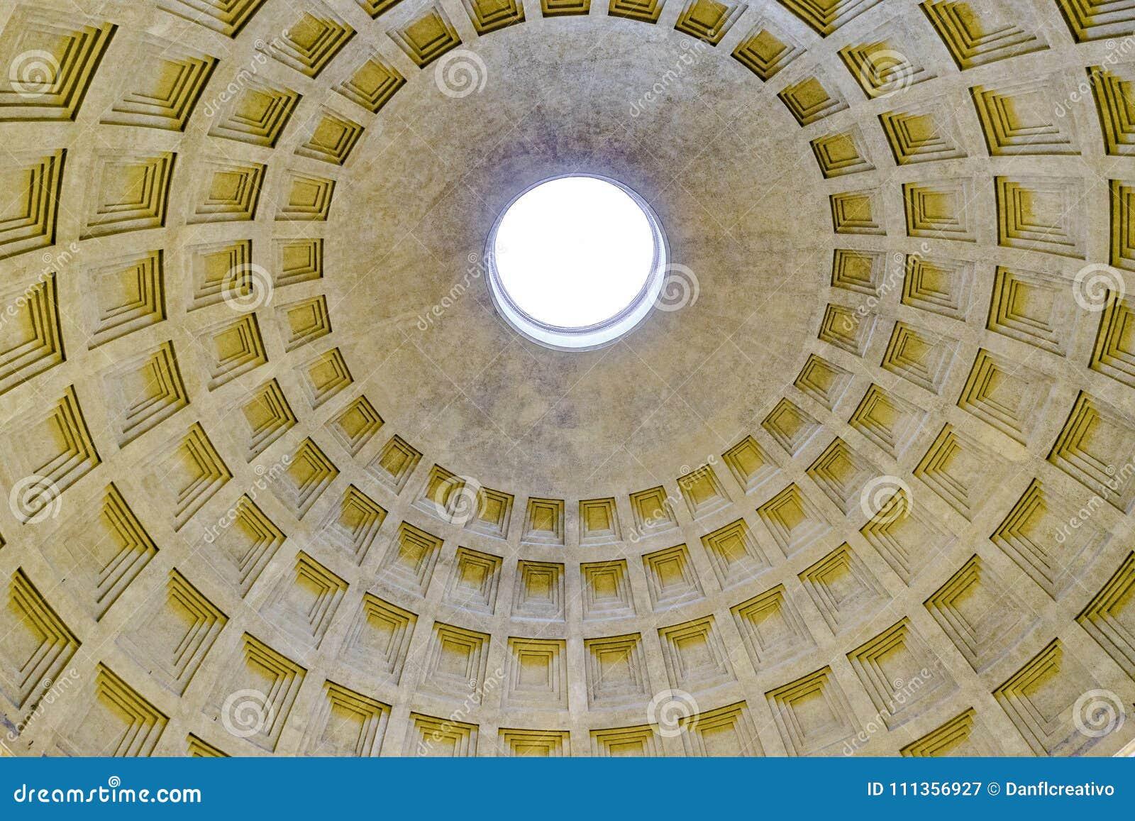 Opinião interior do panteão, Roma, Itália