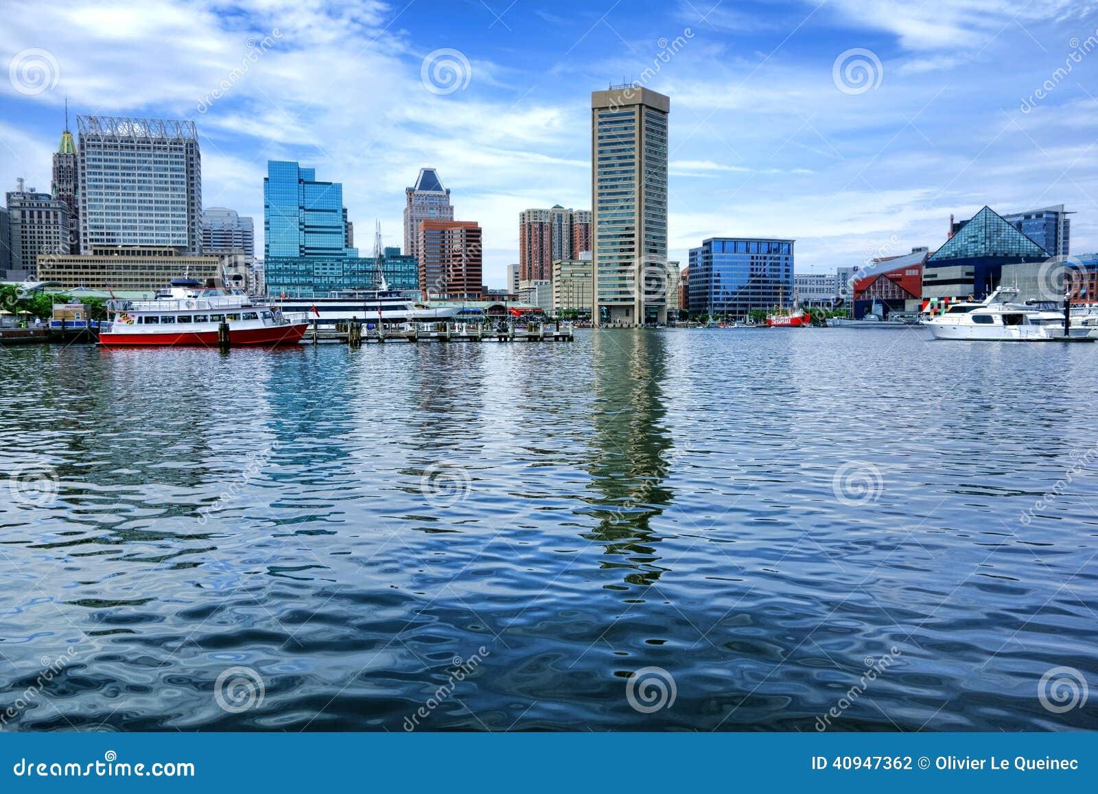 Opinião interna da água do porto em Baltimore Maryland