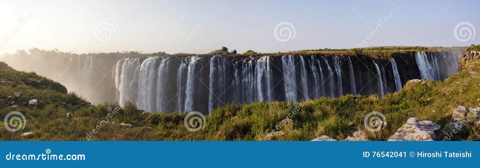 Opinião Victoria Falls do lado de Zimbabwe