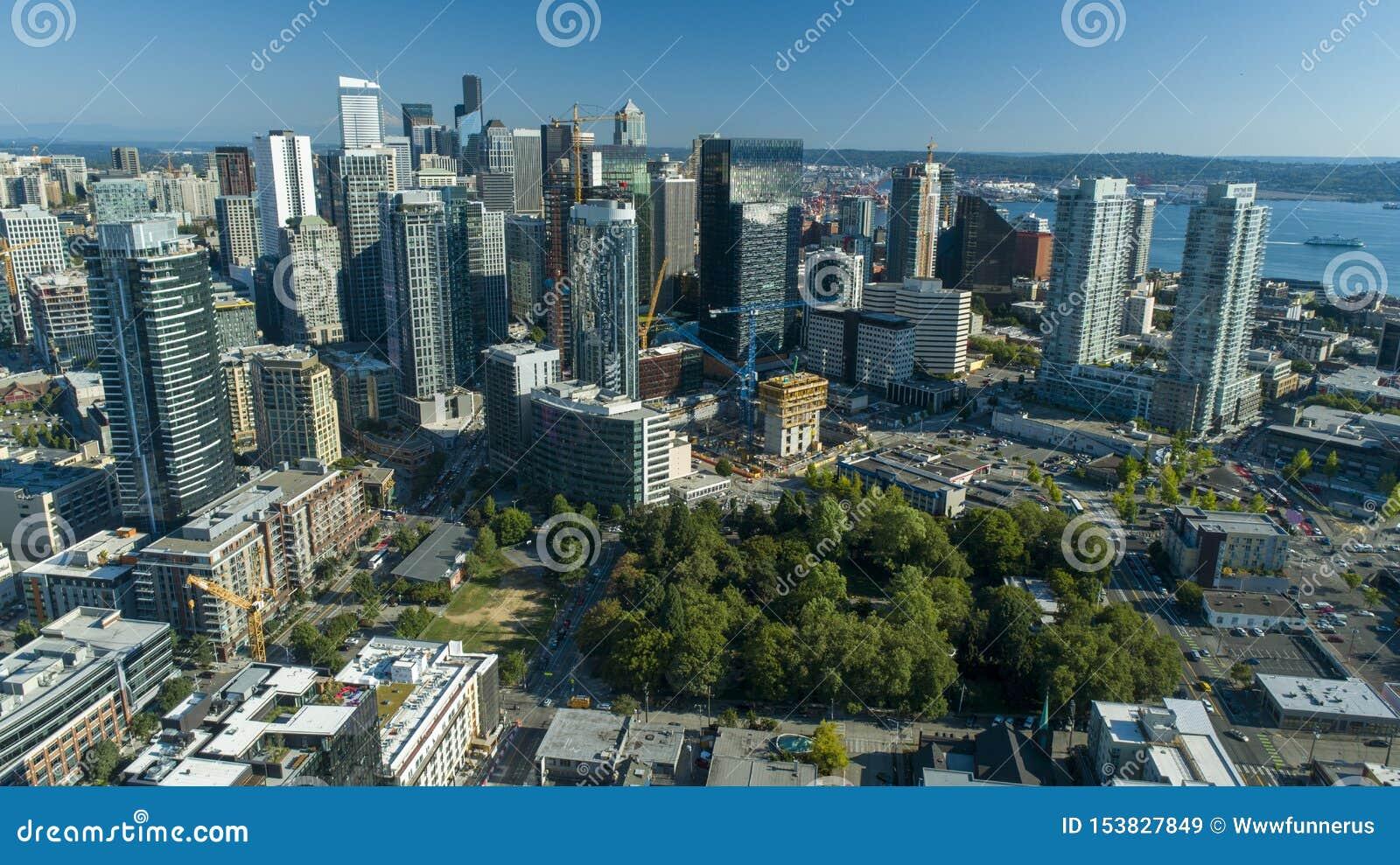 Opinión aérea Sunny Day Skyscrapers del horizonte de Seattle