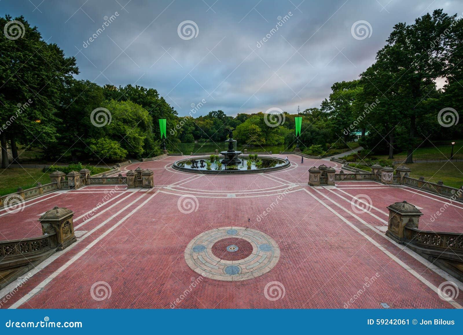 Download Opinión Bethesda Terrace, En Central Park, Manhattan, Nuevo Yo Imagen de archivo - Imagen de cubo, viejo: 59242061