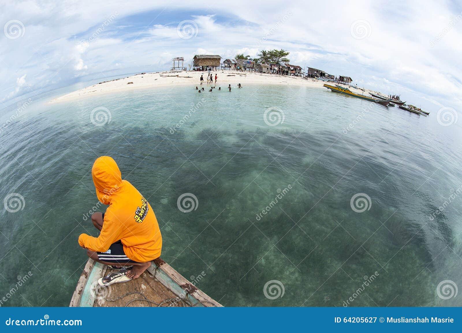 Opinión de Fisheye de la isla de Gusungan Sipadan situada en Semporna, Sab