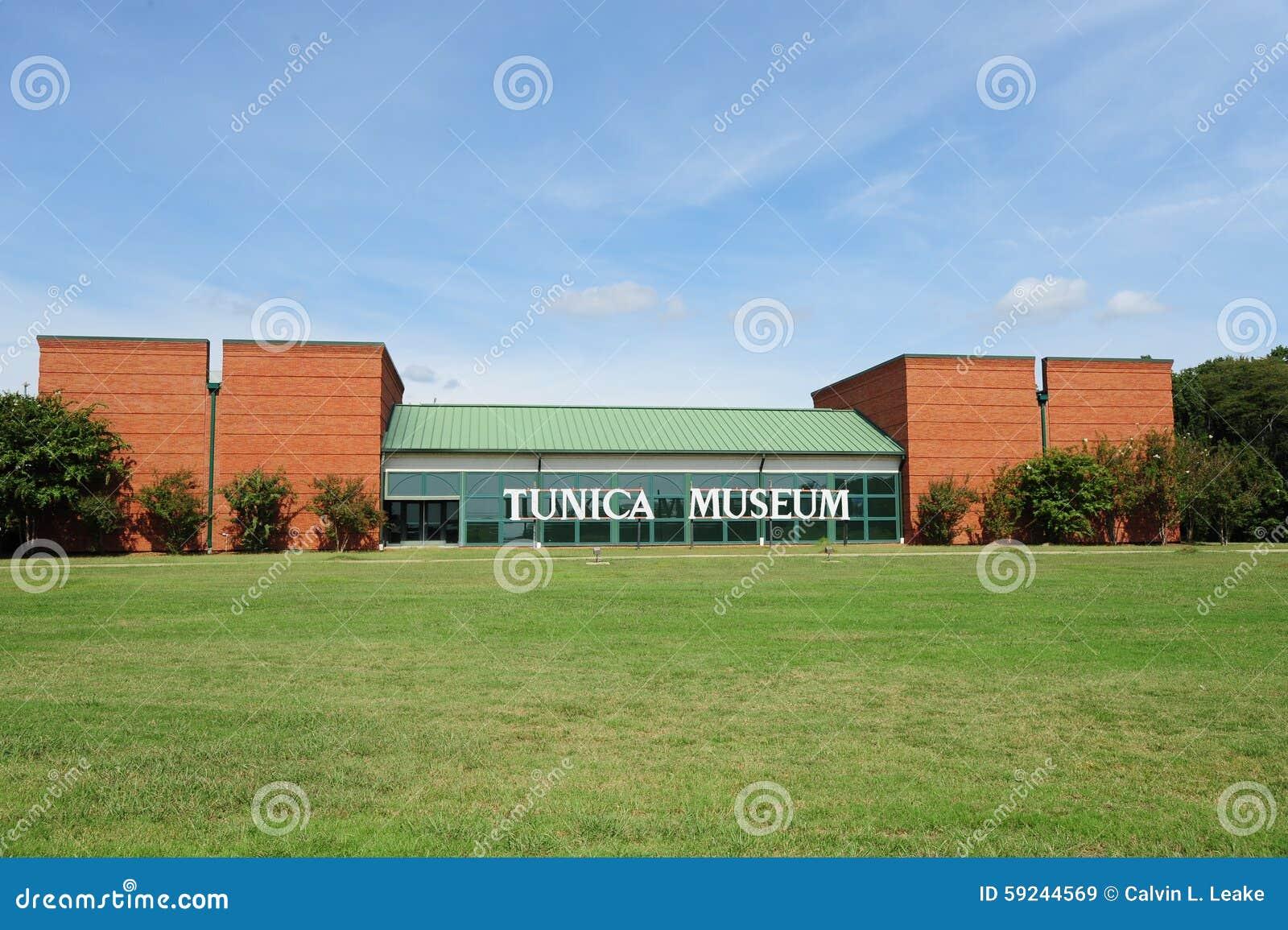 Opinión de la carretera del museo del Tunica en Mississippi septentrional