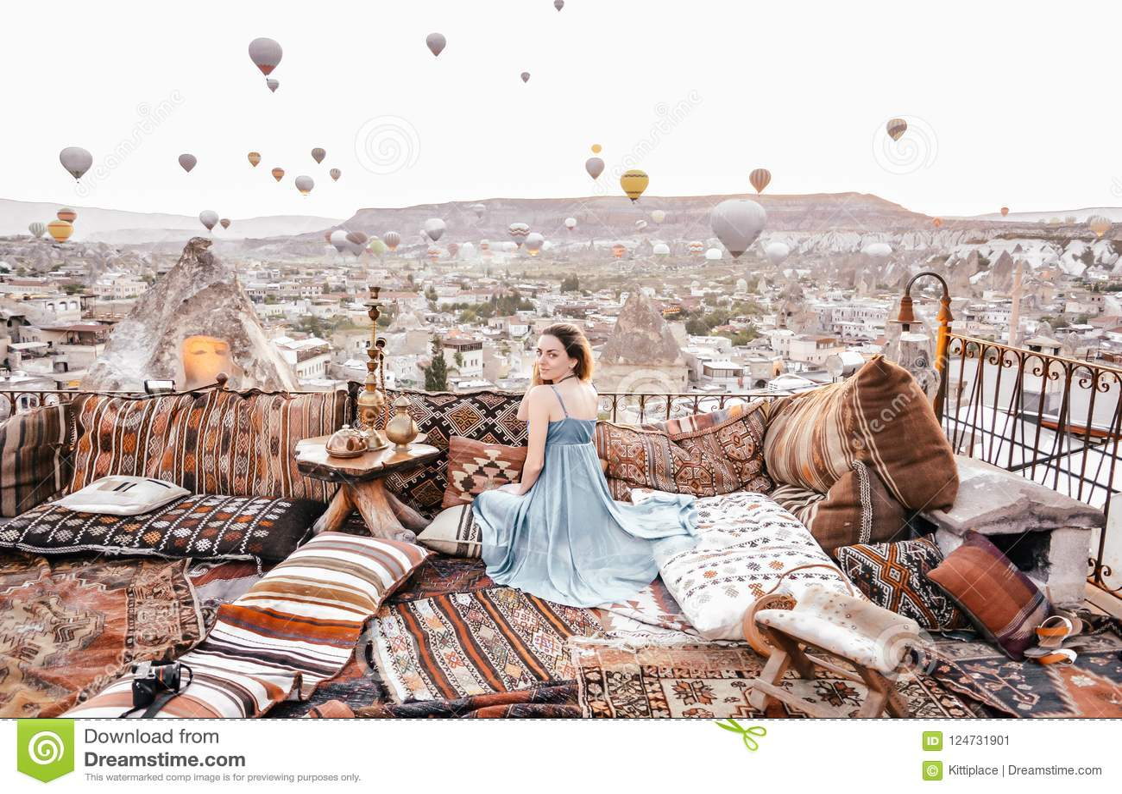 Opinión De La Mañana En Cappadocia Opinión De La Terraza En