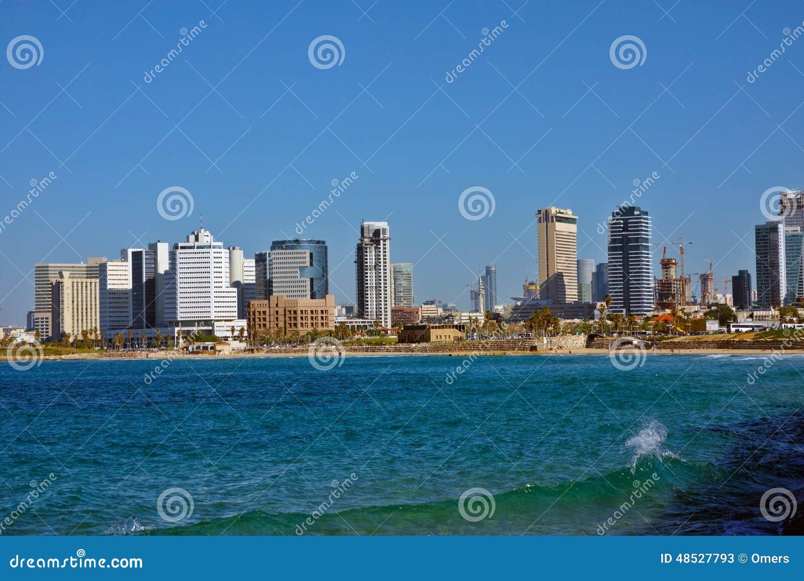Opinión de la playa de la ciudad en Tel Aviv