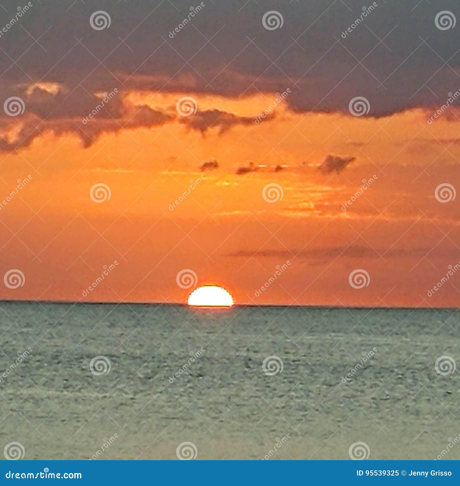 Opinión de la puesta del sol del sudoeste de la Florida, playas