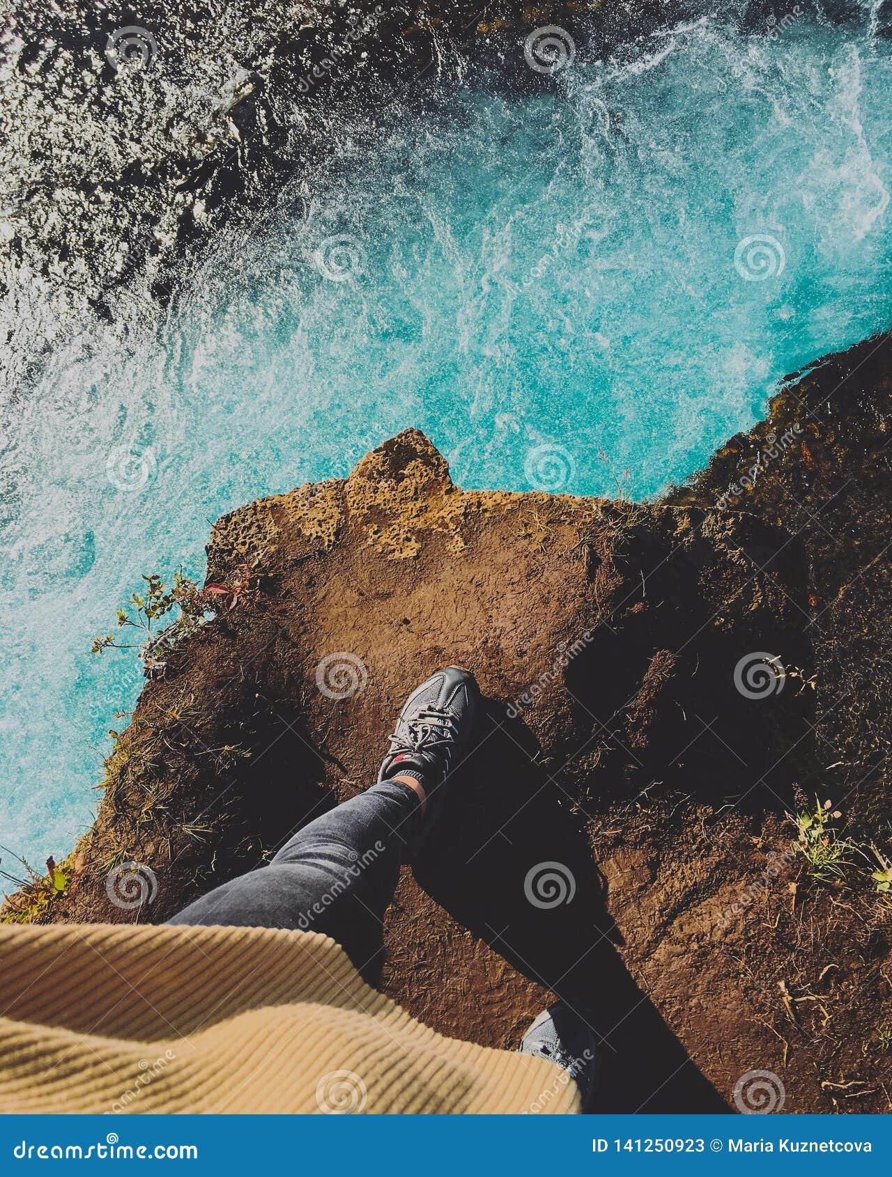 Opinión del paisaje de Islandia de la cascada de Bruarfoss