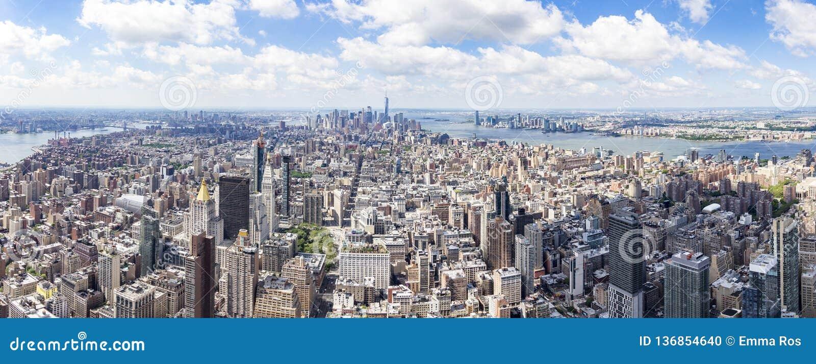 Opinión del sur del panorama del Empire State Building con el Lower Manhattan y One World Trade Center, Nueva York, Estados Unido