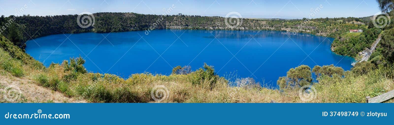 Opinión panorámica del lago azul, soporte Gambier, sur de Australia