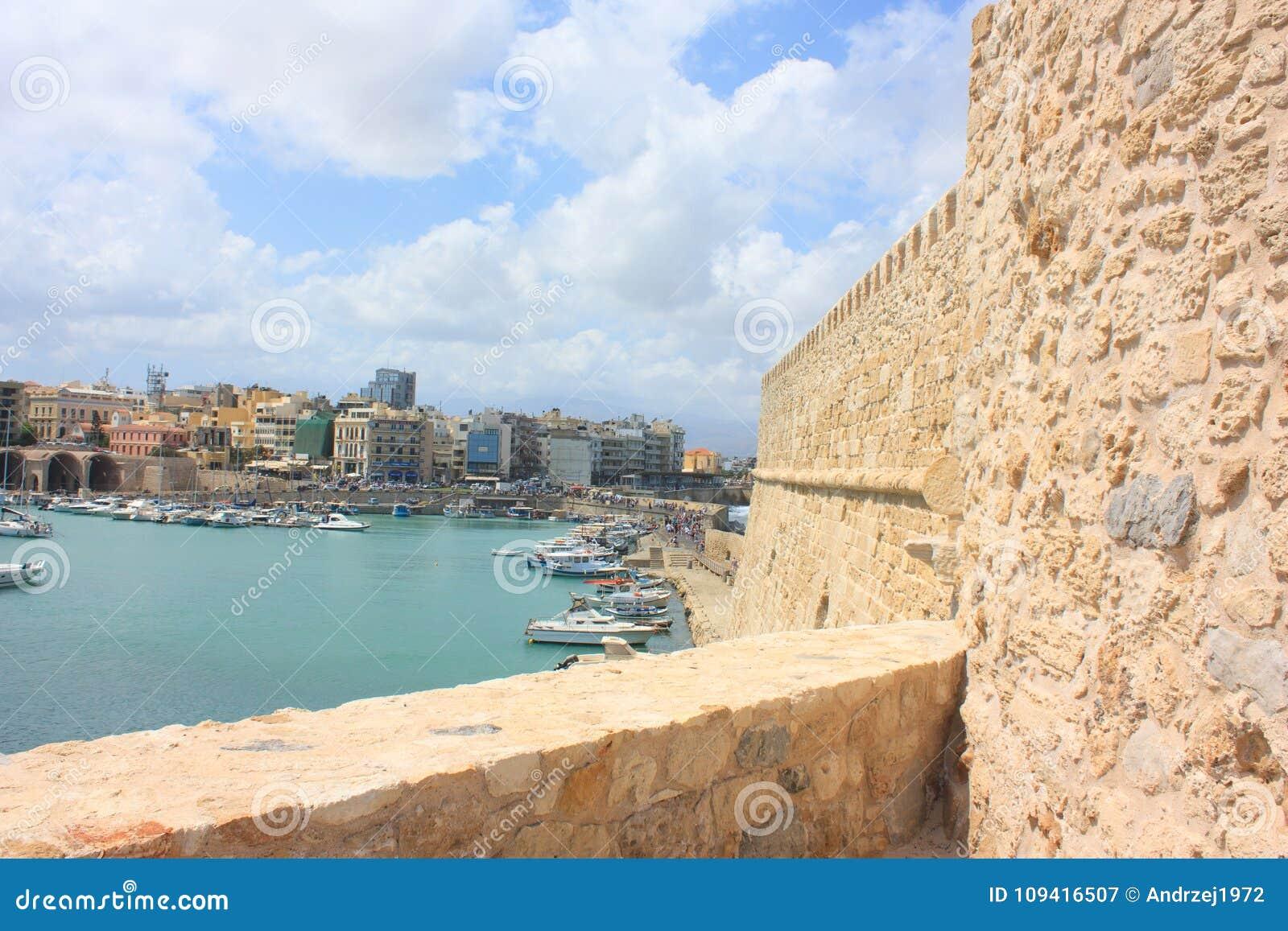 Opinión sobre el fuerte Heraklion en la isla de Creta