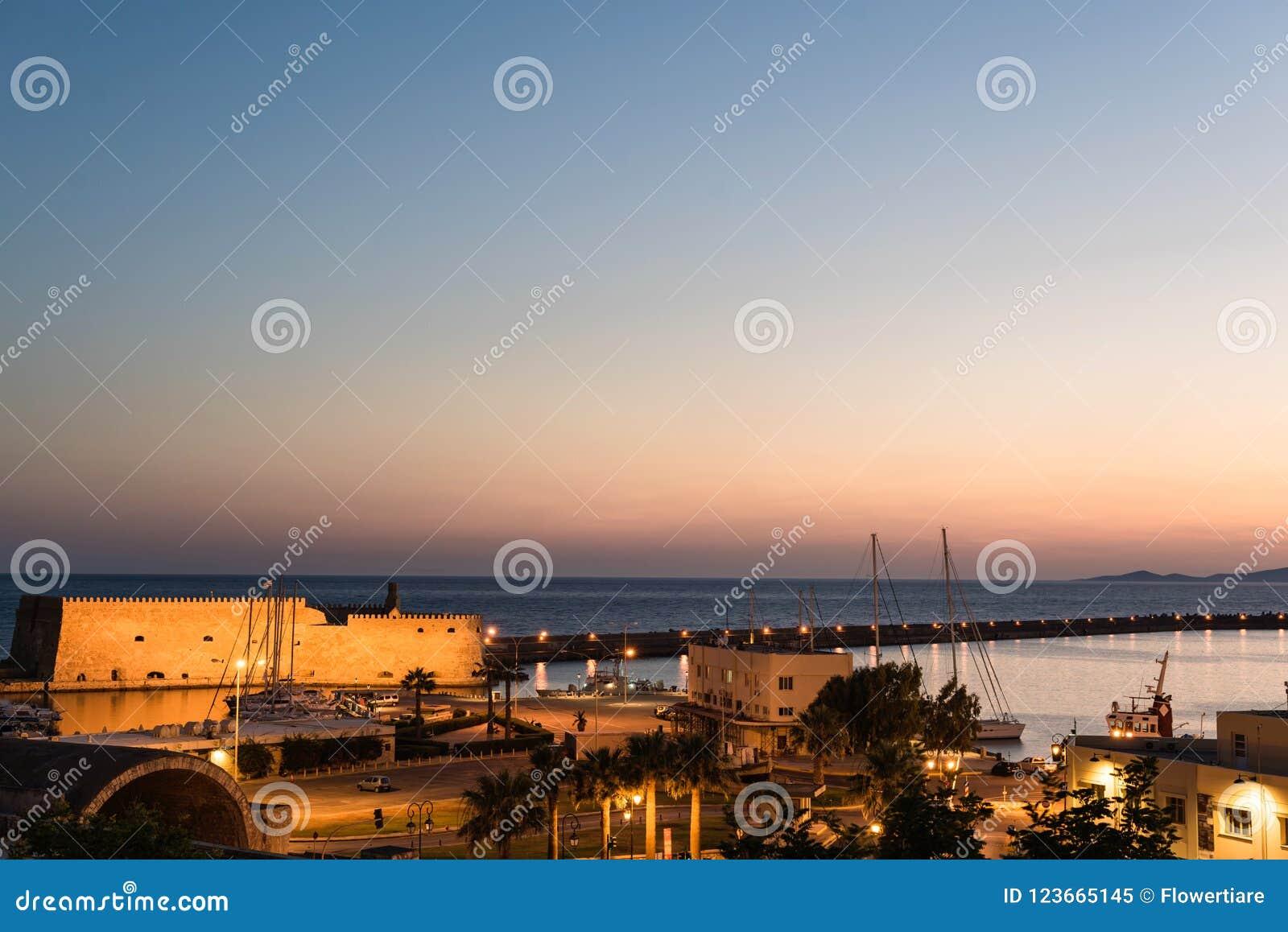 Opinión sobre la fortaleza de Koules el castillo veneciano de Heraklion en la ciudad de Heraklion, Creta, Grecia