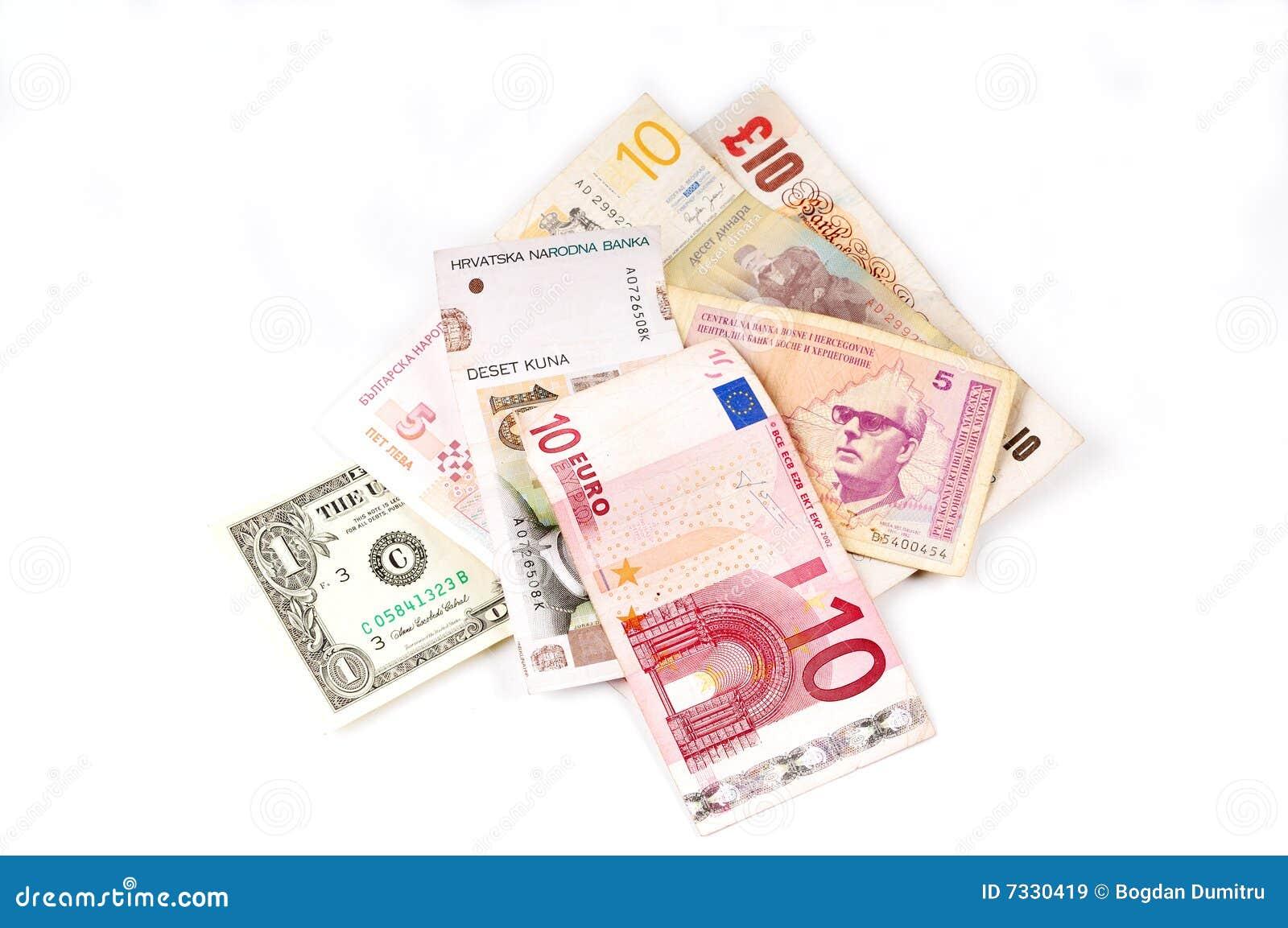Opinión superior del vario dinero en circulación