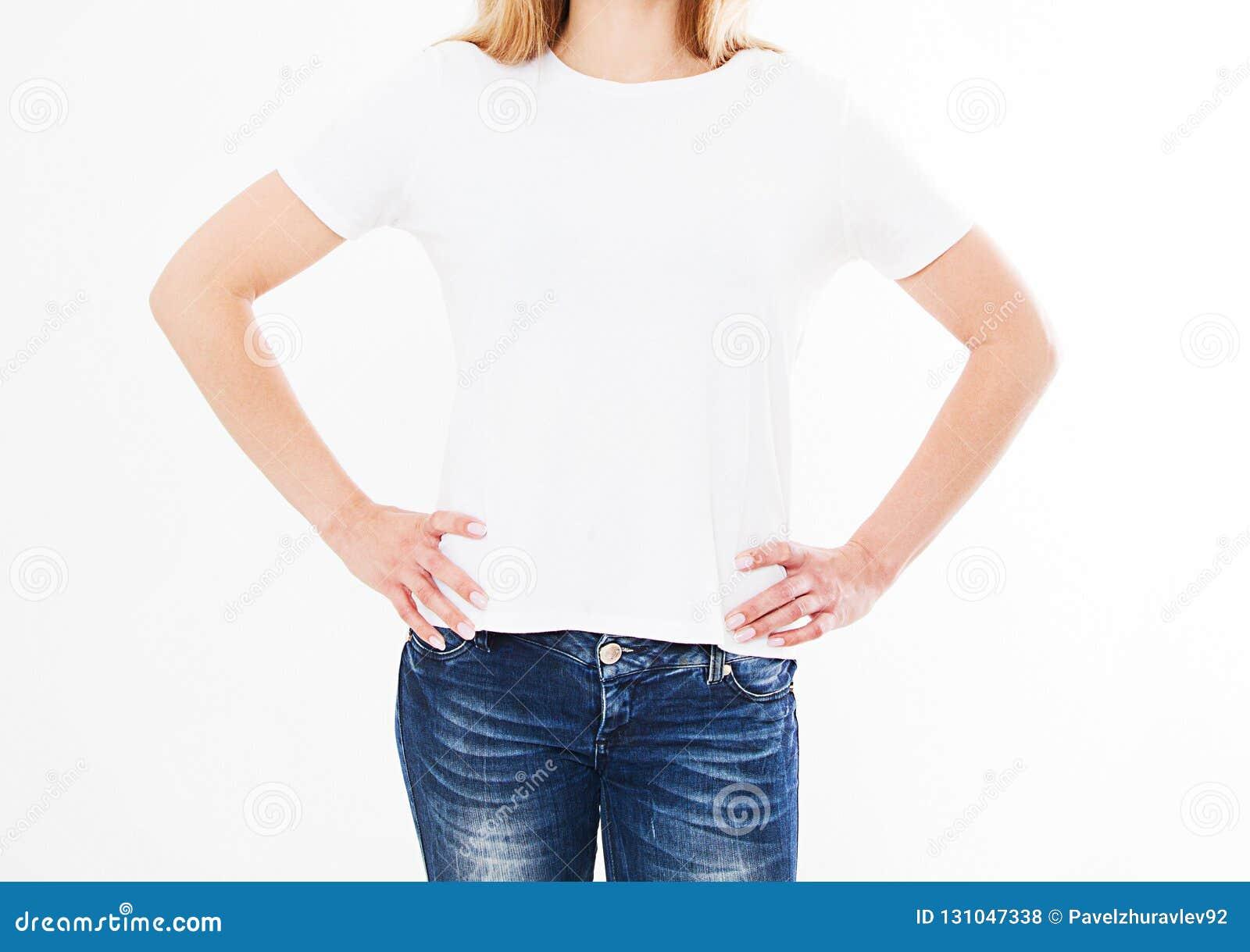 Opiniões traseiras a menina, mulher na camisa de t no fundo branco Zombaria acima para o projeto molde blank