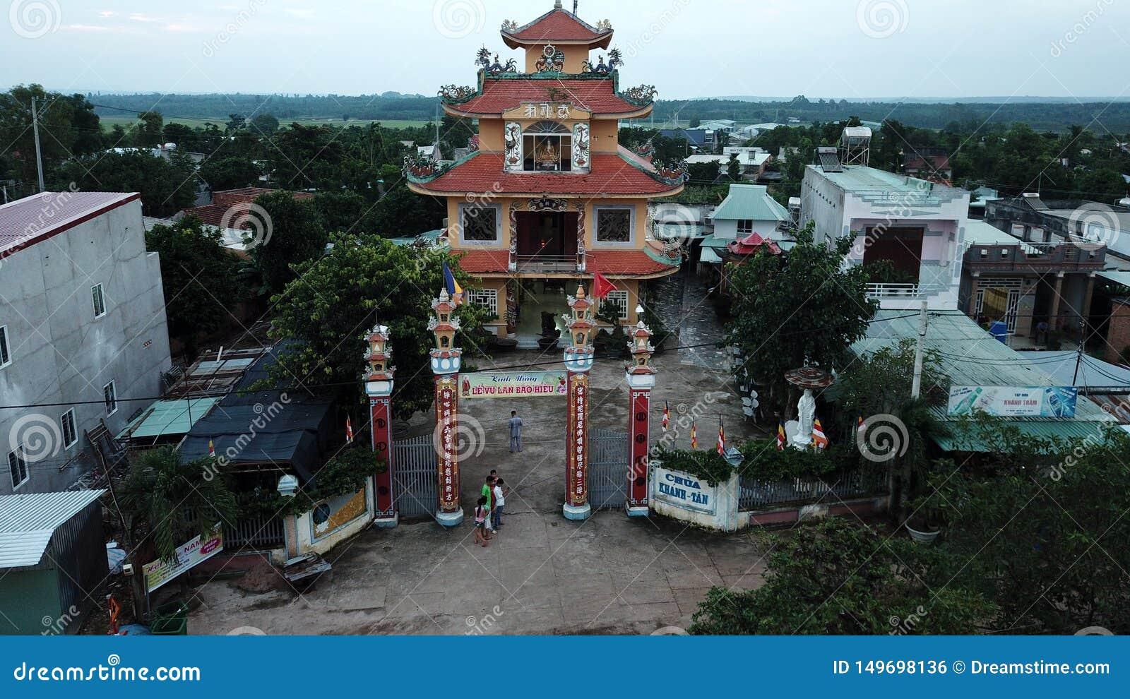 Opini?n a?rea Khanh Tan Pagoda