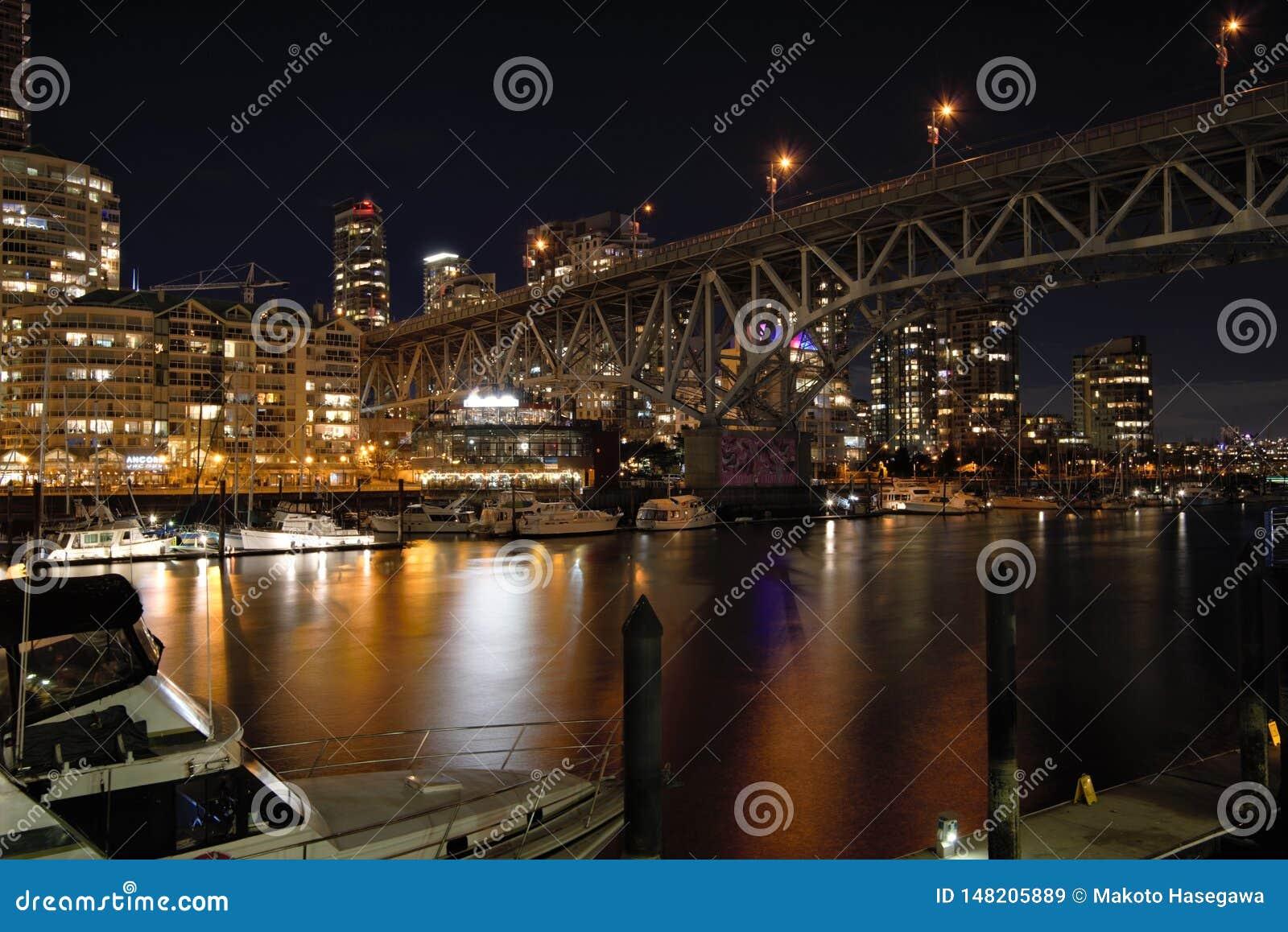 Opini?o da noite da ponte de Granville
