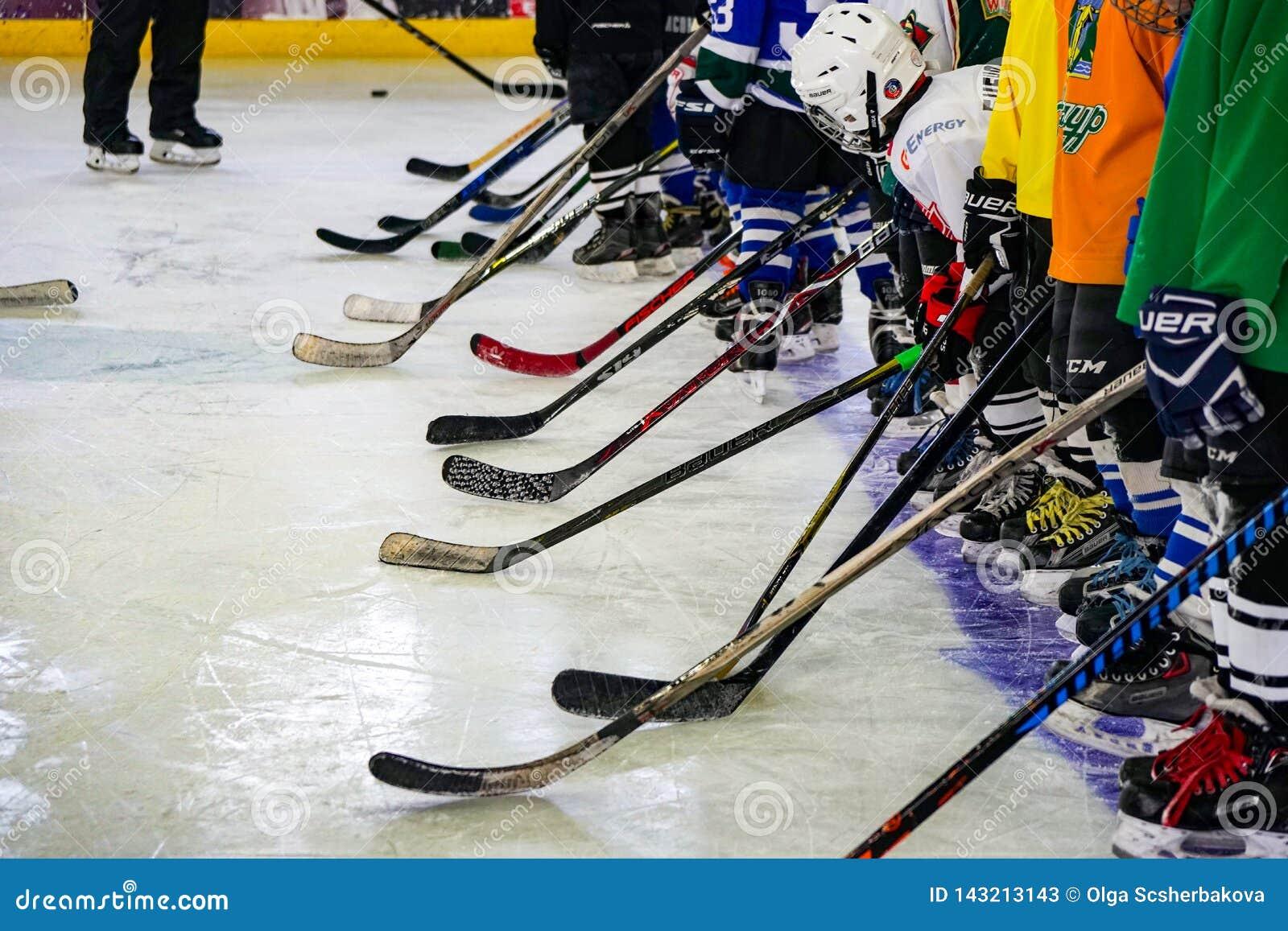 Opleiding van jonge sportmannen, vele clubs en