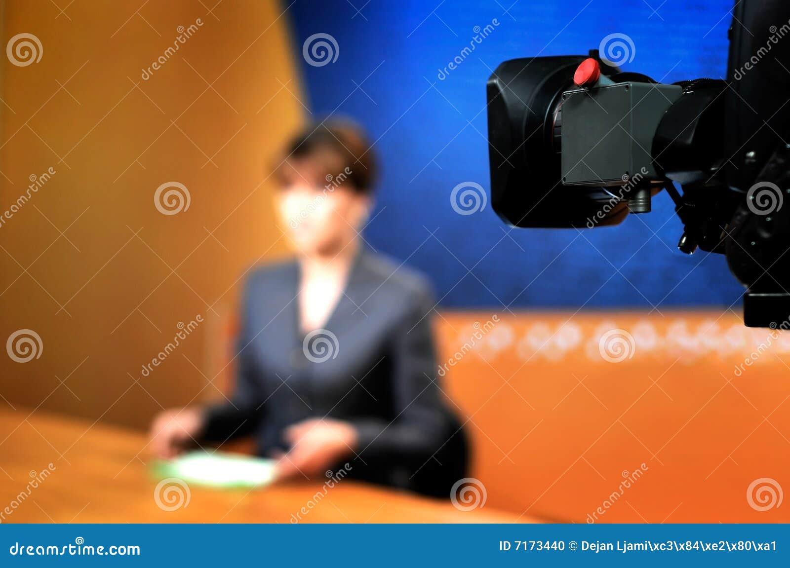 Opname in de studio van TV voor NIEUWS