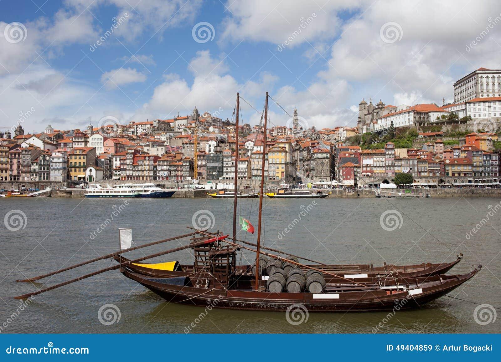 Download Oporto-Stadtbild In Portugal Stockbild - Bild von fluß, häuser: 49404859