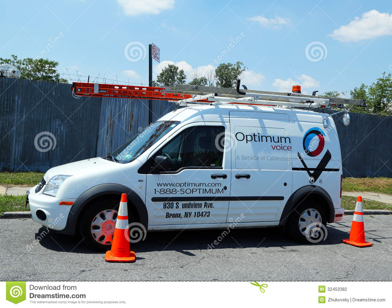 Optimum Cable Service Truck In Brooklyn Editorial