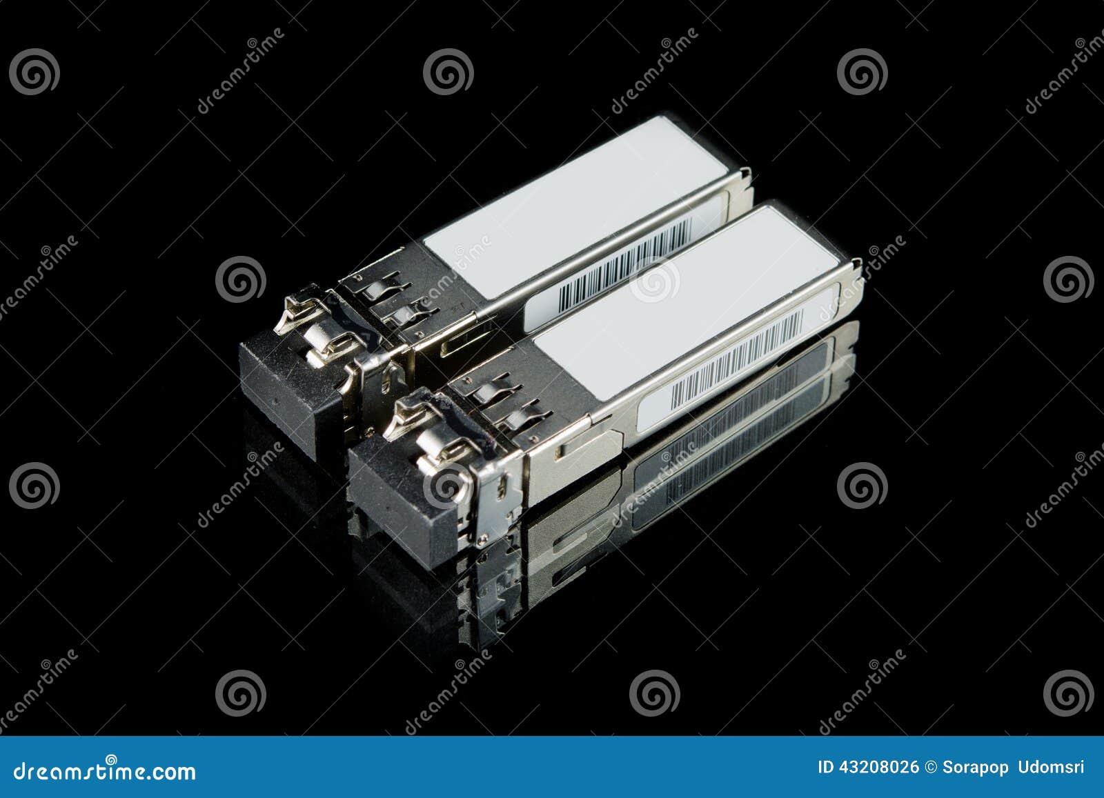 Download Optisk GigabitSFP Enhet För Den Isolerade Nätverksströmbrytaren Arkivfoto - Bild av kommunikation, funktionsläge: 43208026