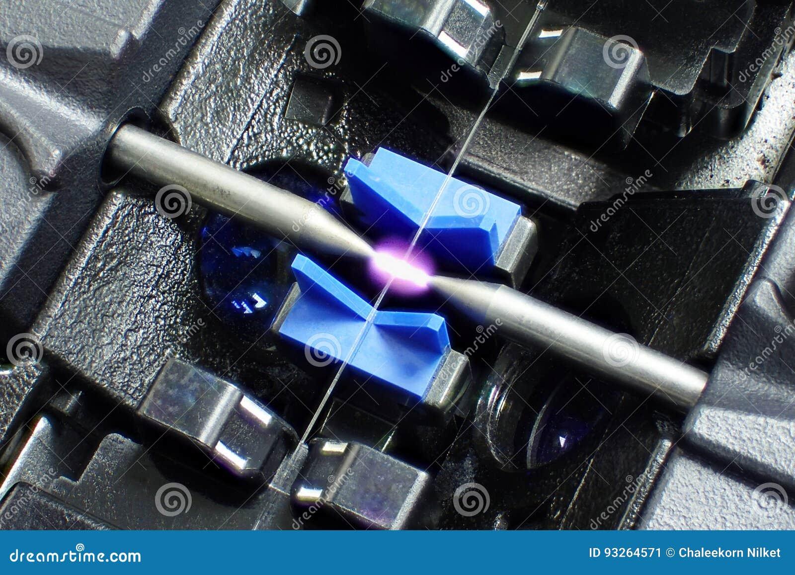 Optiskt för fusionskarvapparatfiber