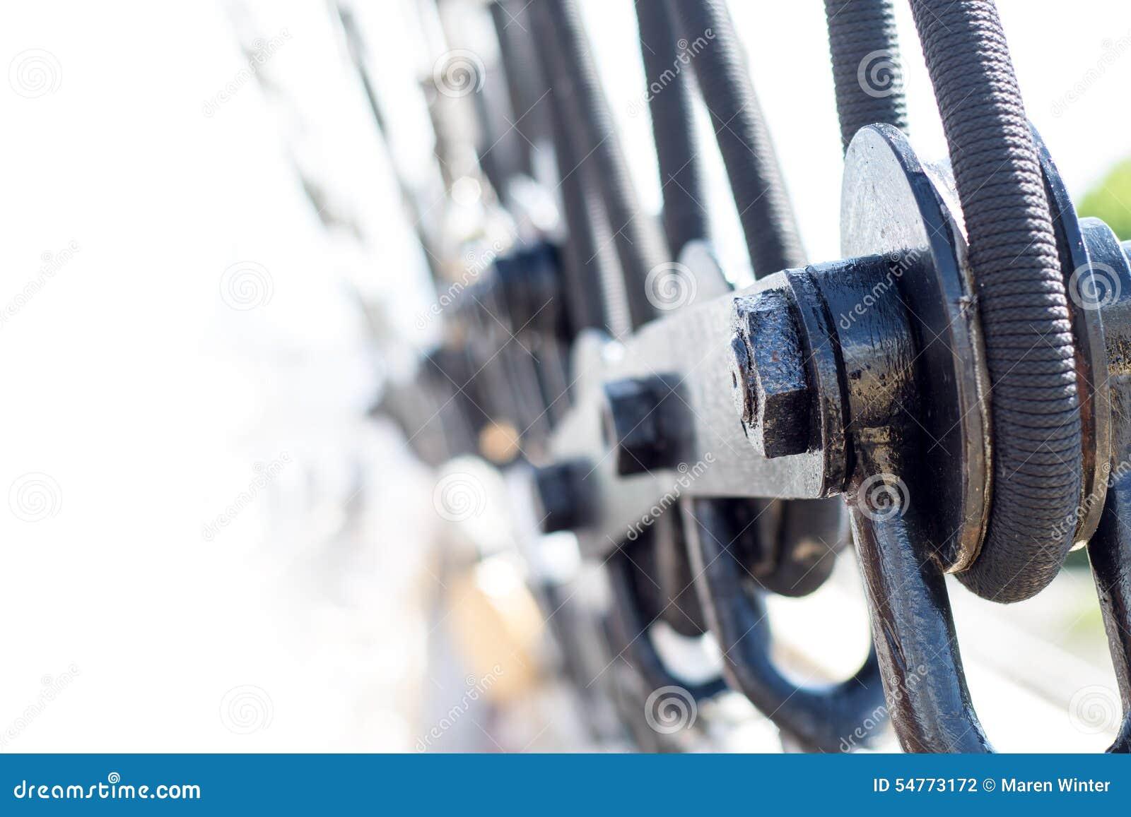 Optuigendetail op een varend schip
