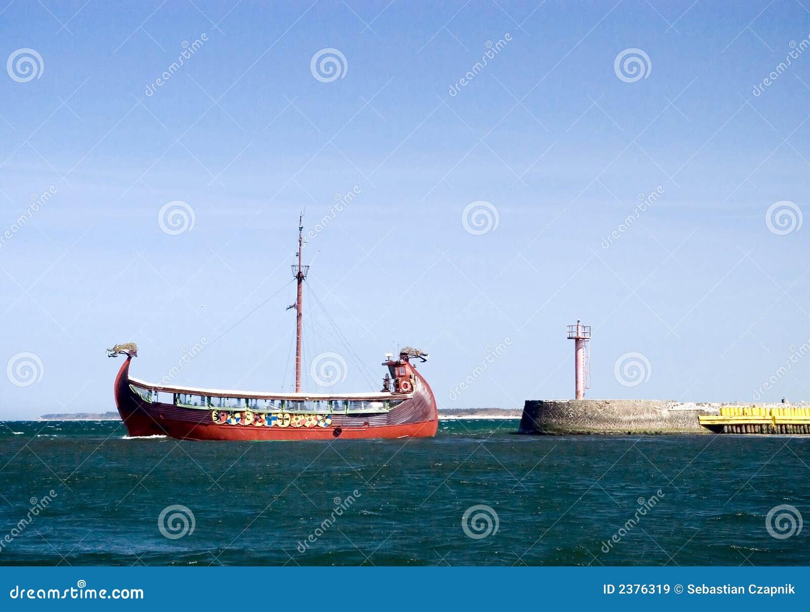 Opuścić portu statek Wikingów