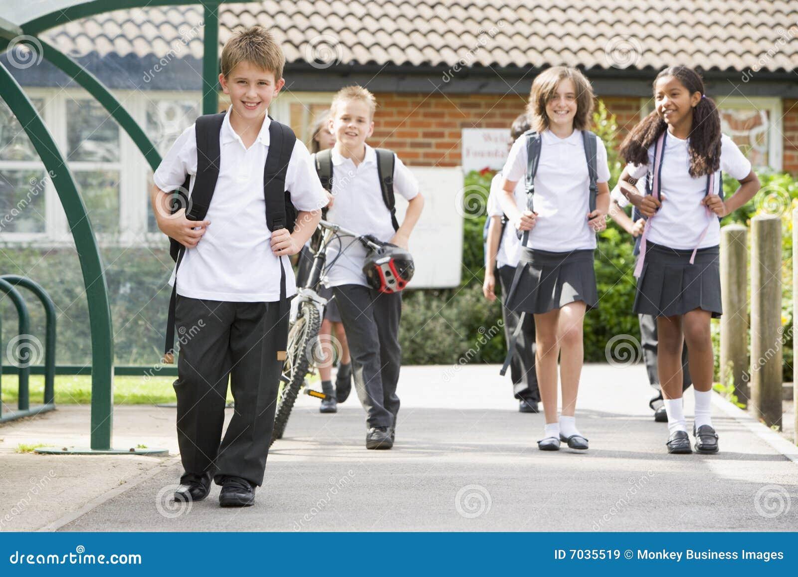 Opuszczać szkoły dziecko junior